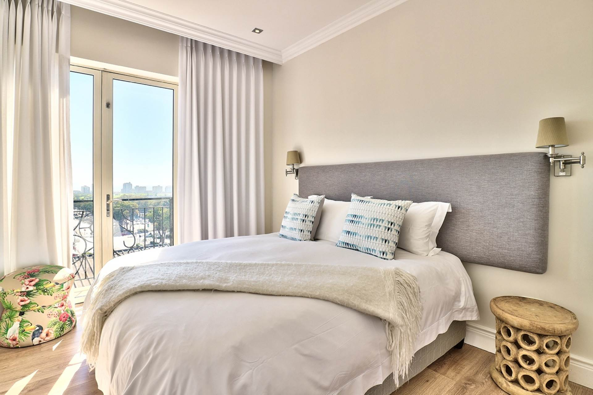 Green Point property for sale. Ref No: 13604397. Picture no 16