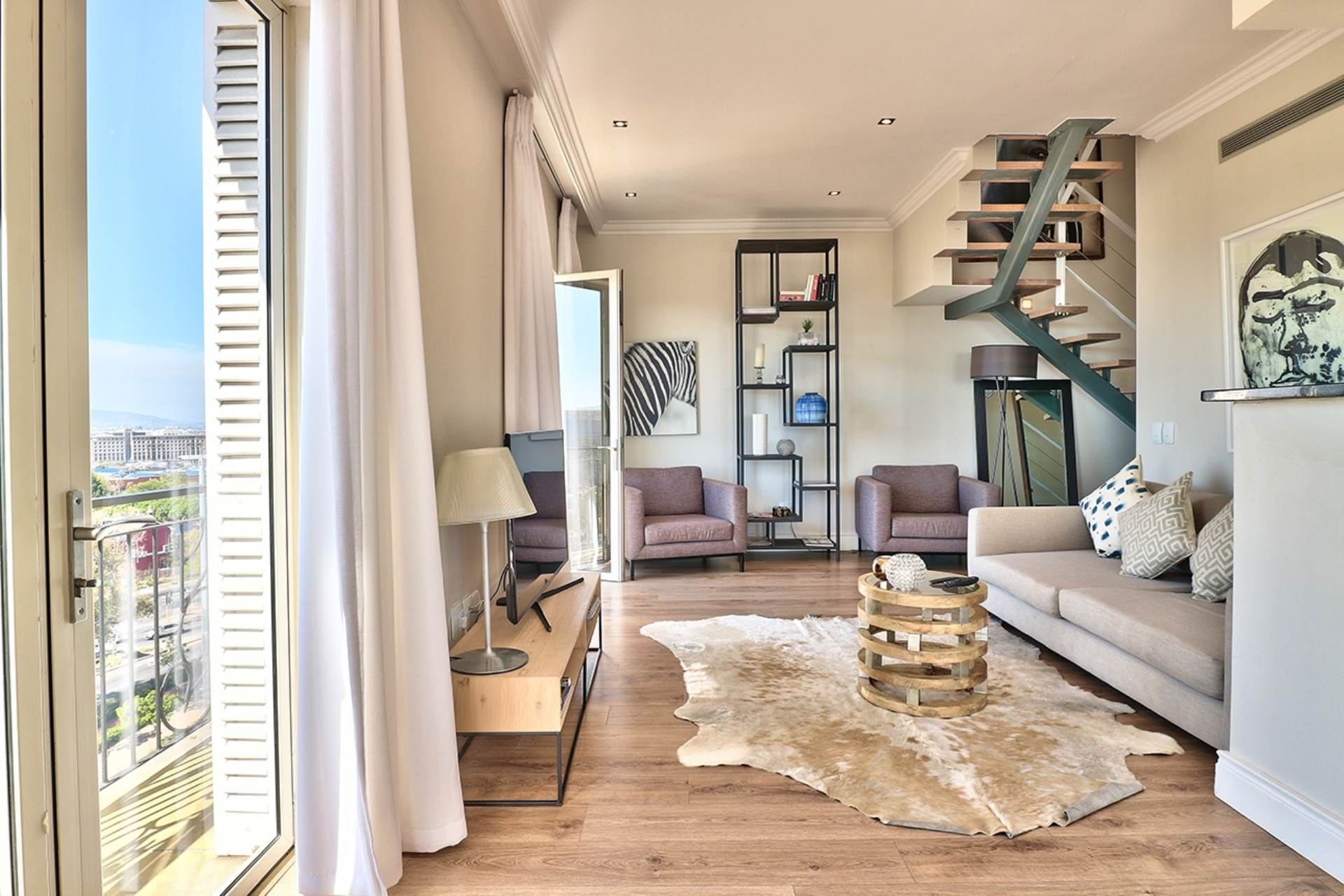 Green Point property for sale. Ref No: 13604397. Picture no 3