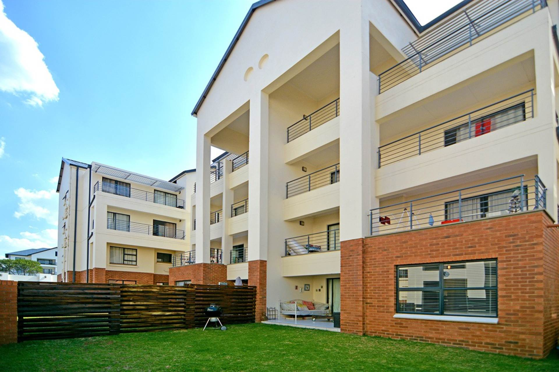 3 BedroomTownhouse For Sale In Greenstone Hill