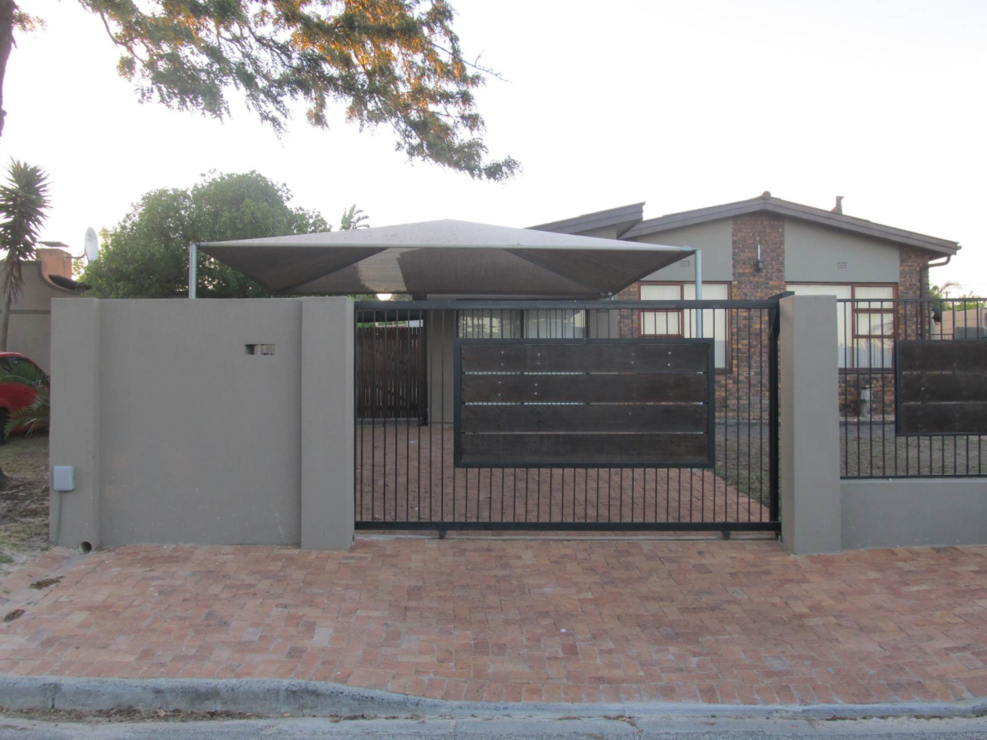 3 BedroomHouse For Sale In Morgenster