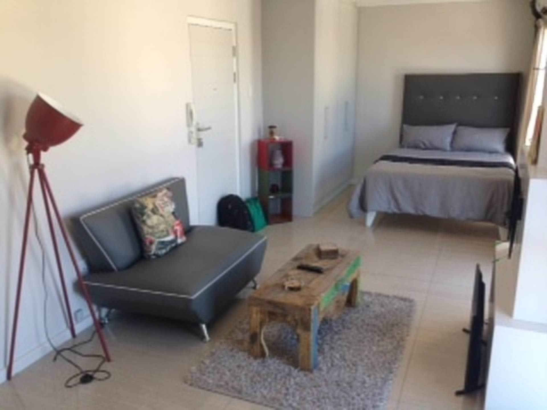 Apartment To Rent In Sea Point