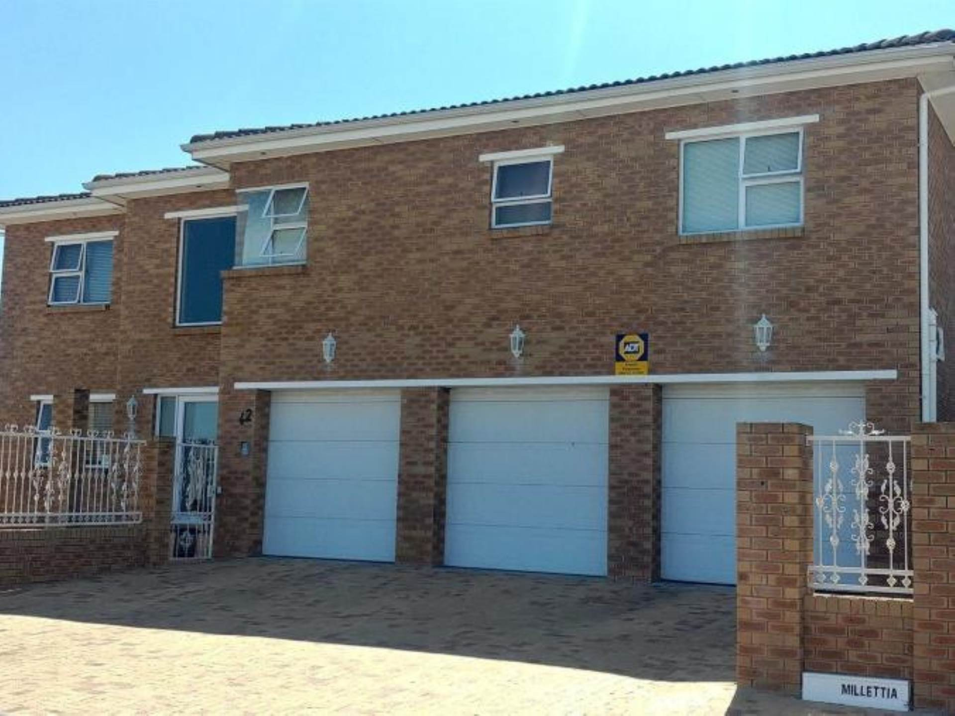7 BedroomHouse For Sale In Rouxville