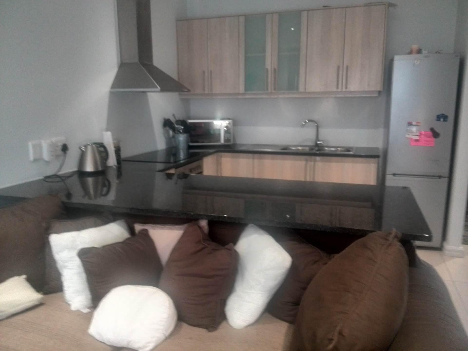 2 BedroomHouse Pending Sale In Parklands