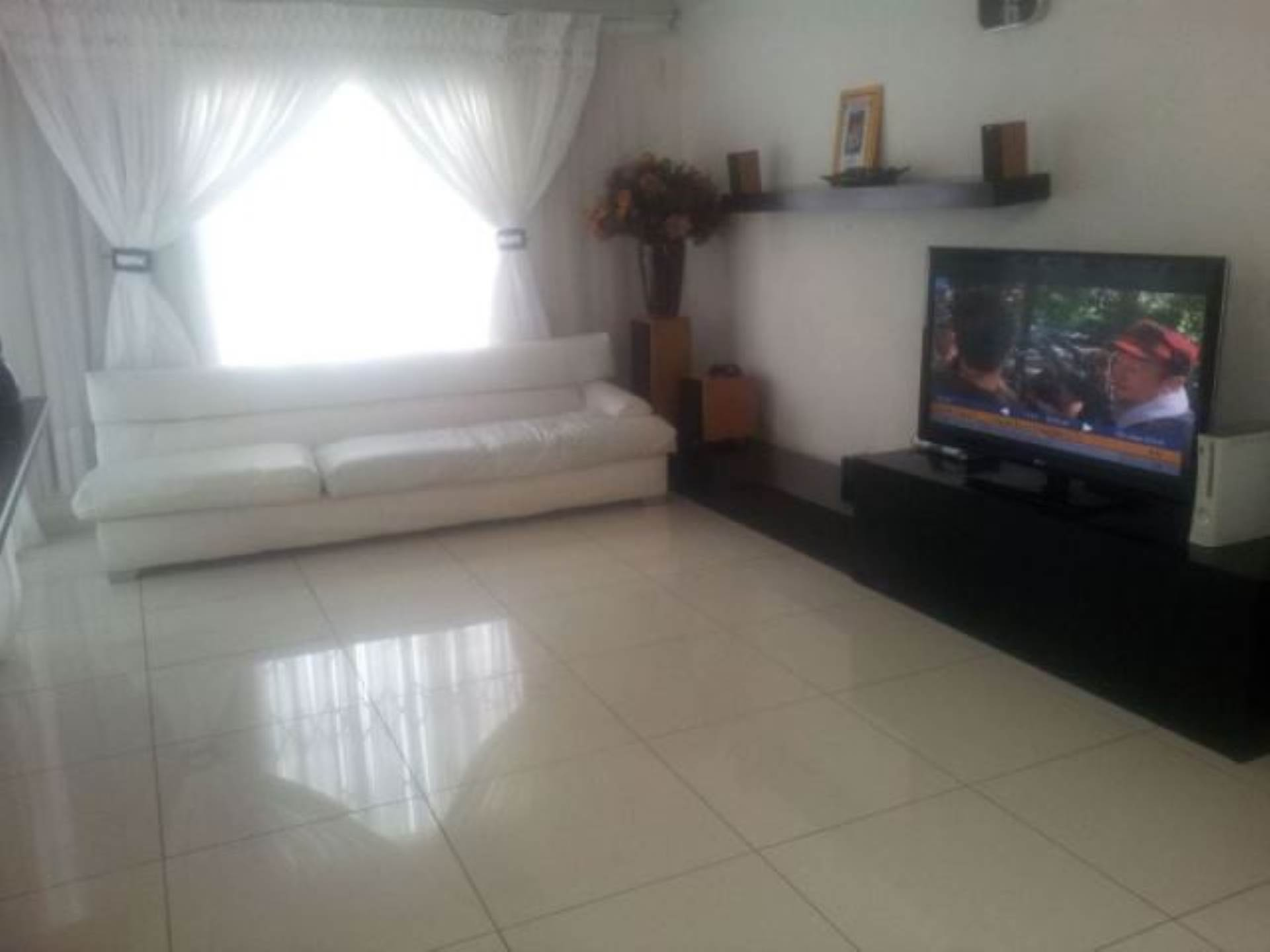 3 BedroomHouse To Rent In Cosmo City