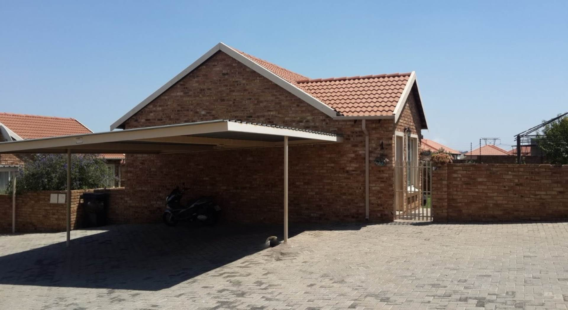 3 BedroomTownhouse To Rent In Kosmosdal