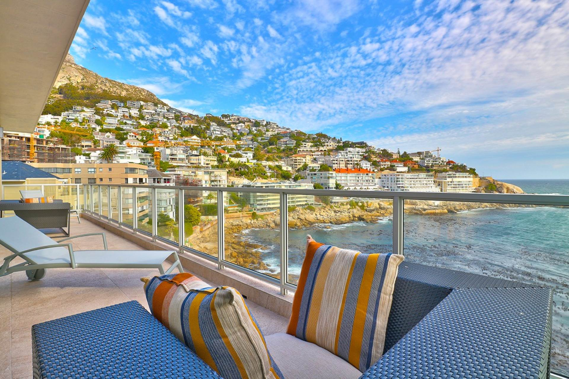 Property and Houses for sale in Bantry Bay, Apartment, 2 Bedrooms - ZAR 16,500,000