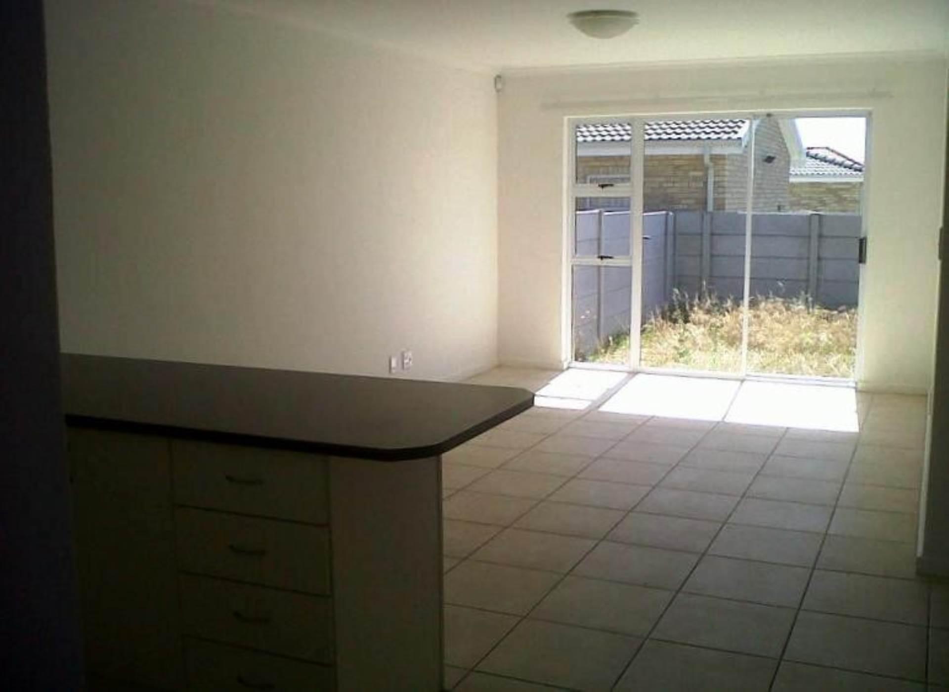 2 BedroomHouse To Rent In Summerville