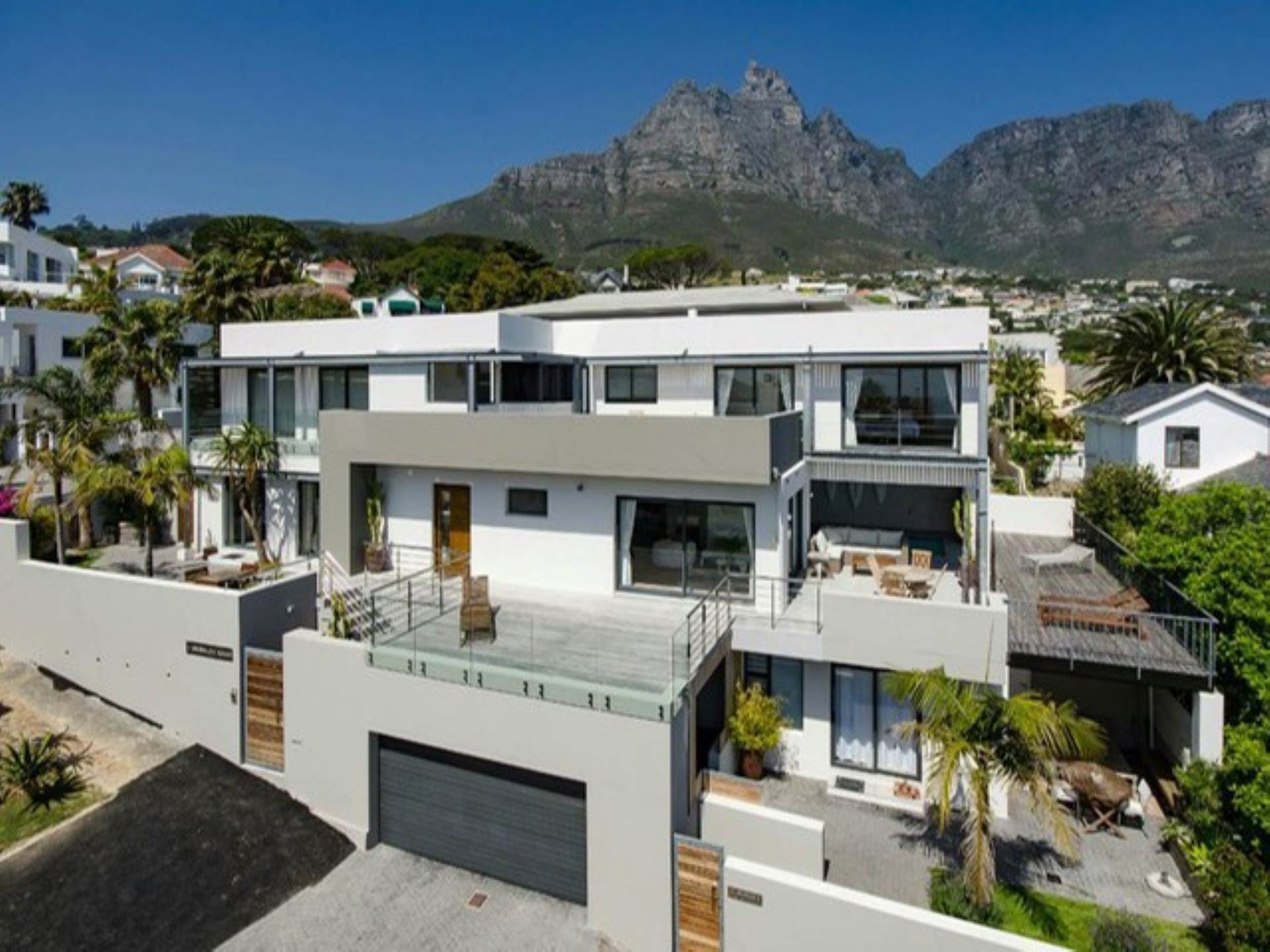 Cape Town, Camps Bay Property    Houses To Rent Camps Bay, CAMPS BAY, House 6 bedrooms property to rent Price:, 75,00*