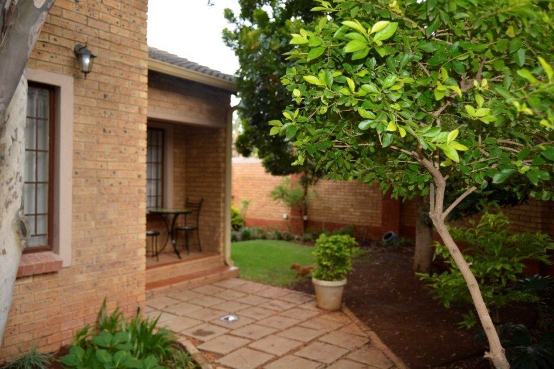 4 BedroomTownhouse For Sale In Equestria