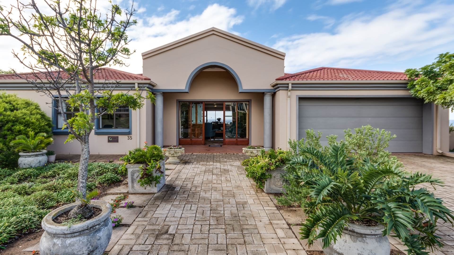 5 BedroomHouse For Sale In Still Bay West