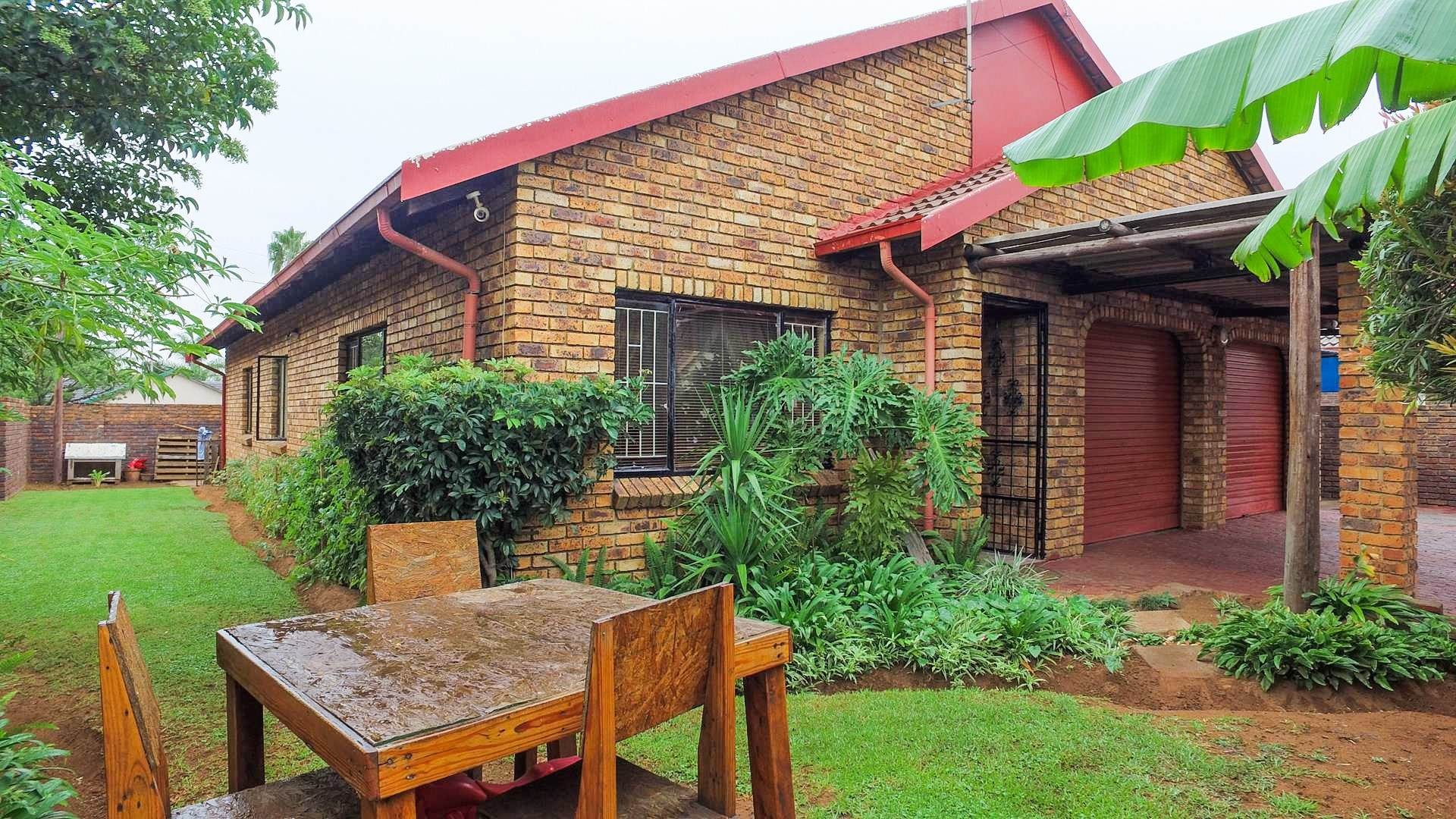 3 BedroomHouse For Sale In Mineralia