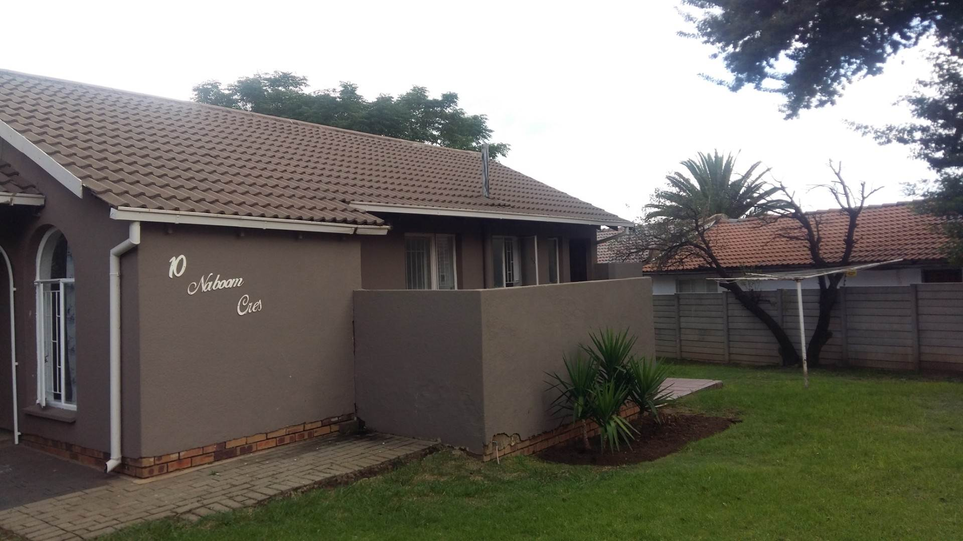 3 BedroomHouse For Sale In Dalpark Ext 9