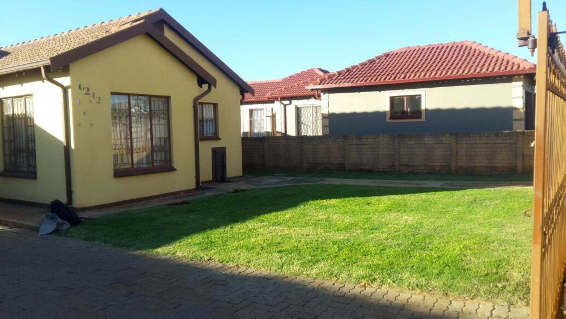 3 BedroomHouse To Rent In The Orchards