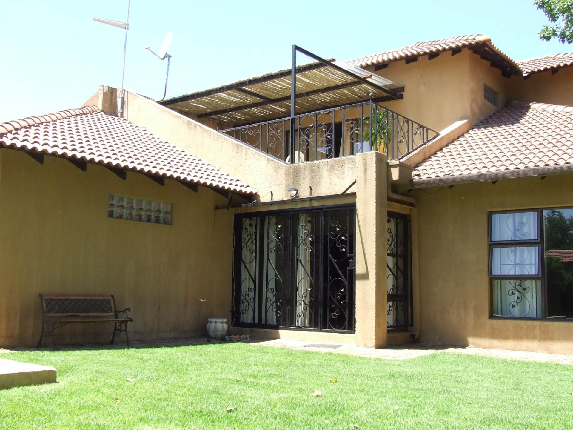 3 BedroomHouse To Rent In Linden