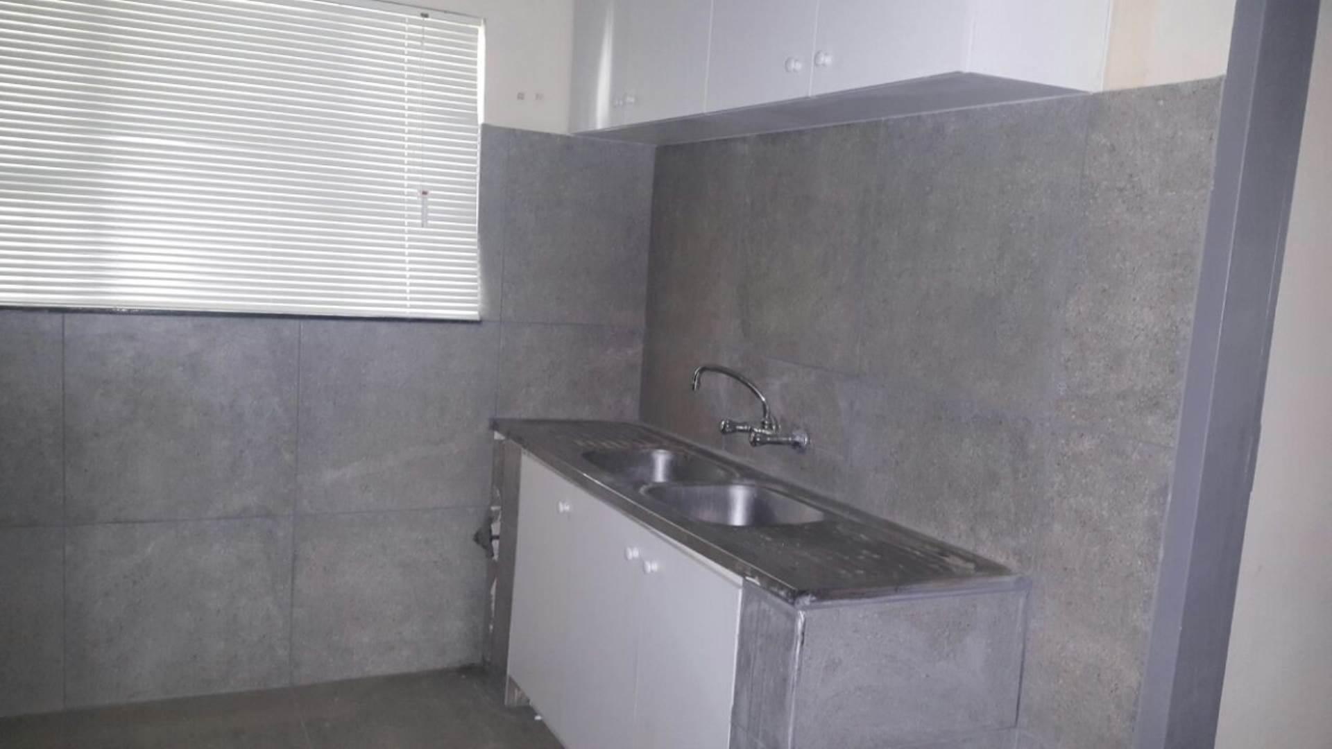 3 BedroomHouse To Rent In Meer En See