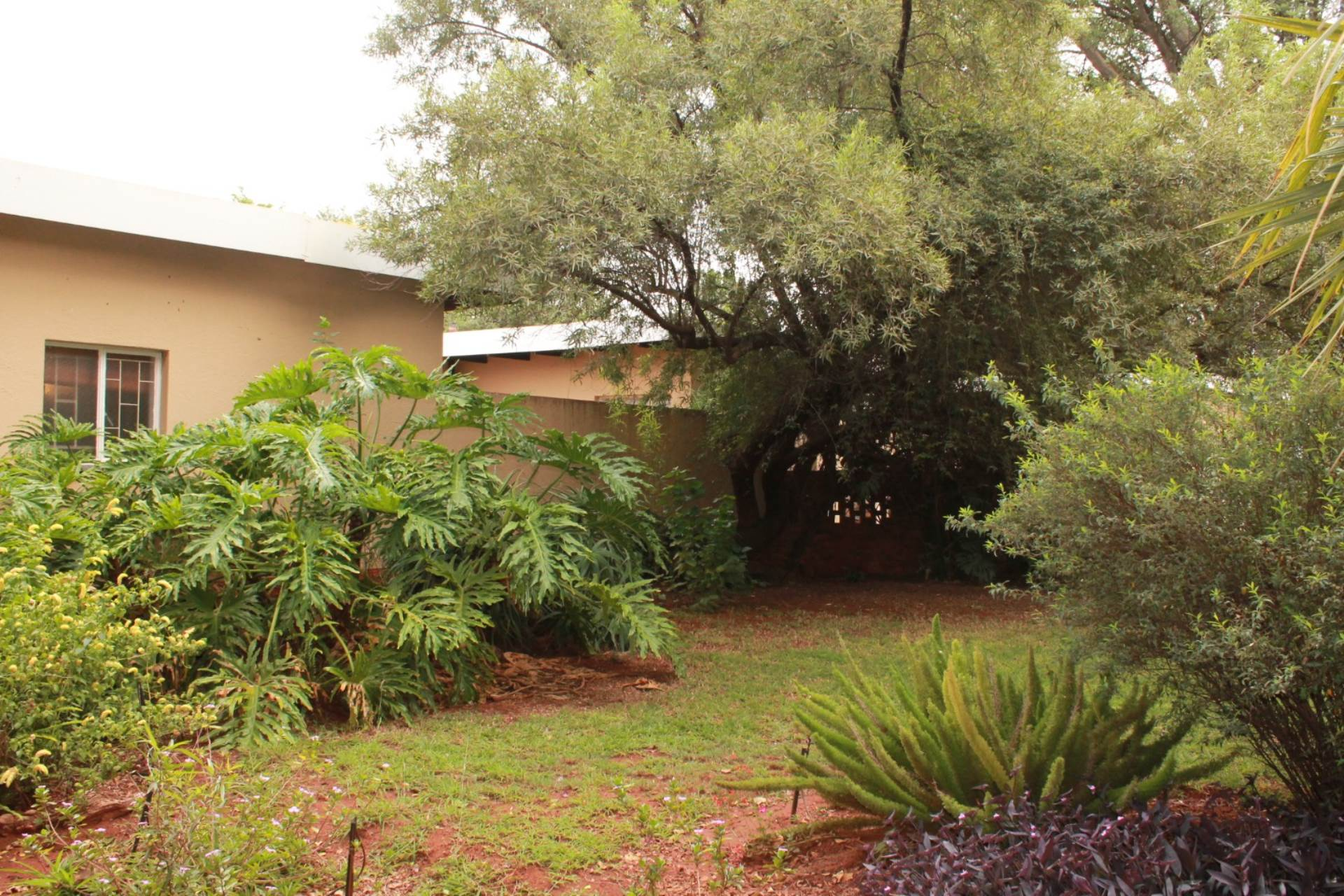 6 BedroomHouse For Sale In The Orchards