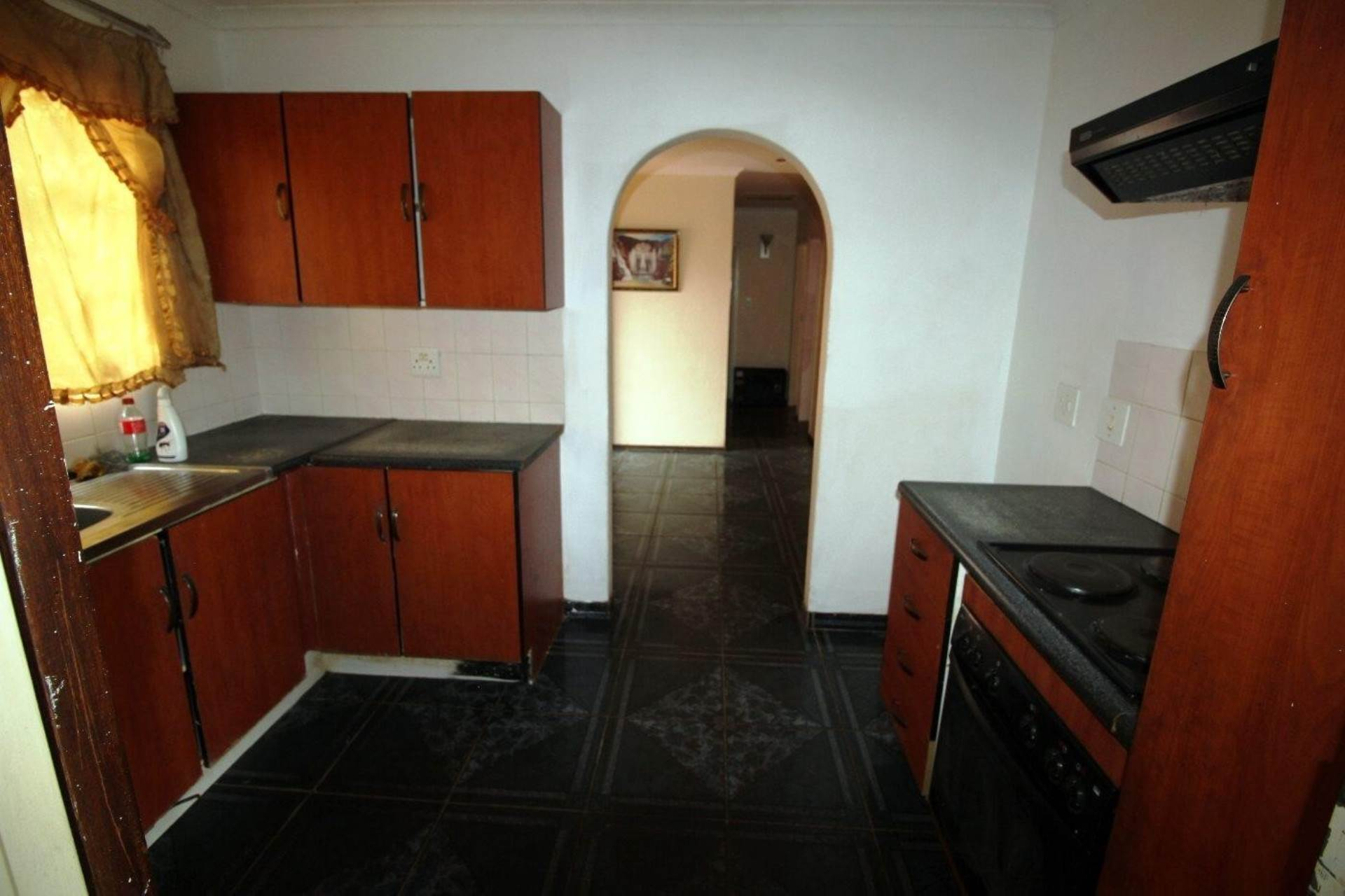 Clarina property for sale. Ref No: 13611698. Picture no 2