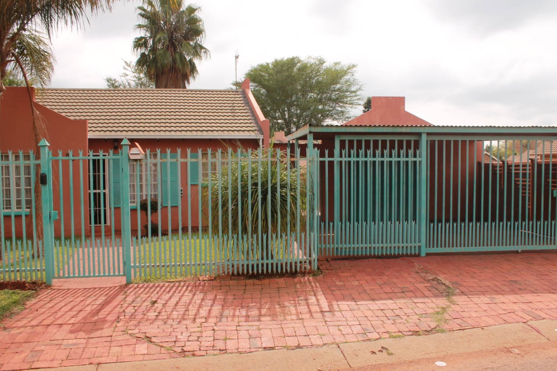 Clarina property for sale. Ref No: 13611698. Picture no 13