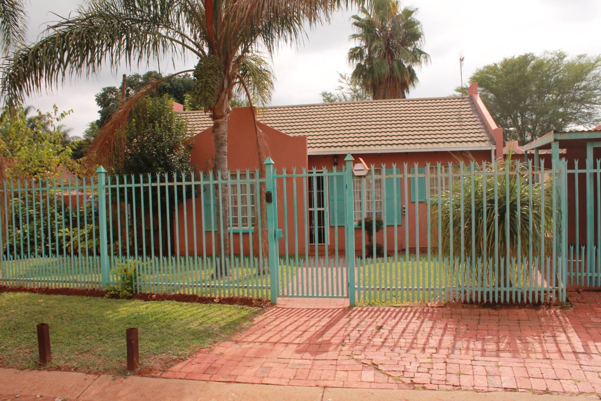 Clarina property for sale. Ref No: 13611698. Picture no 17