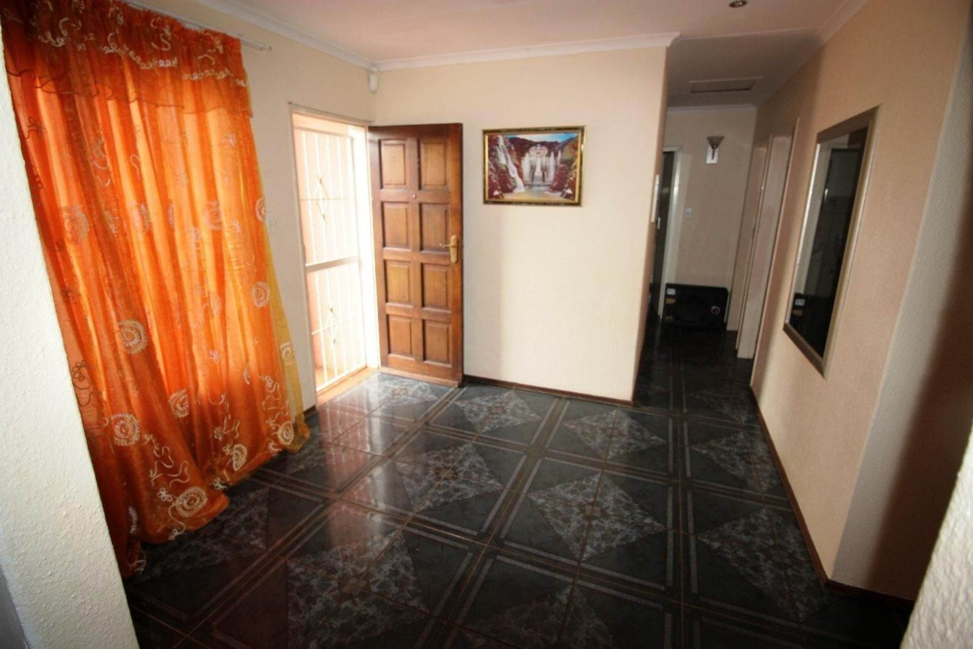 Clarina property for sale. Ref No: 13611698. Picture no 10