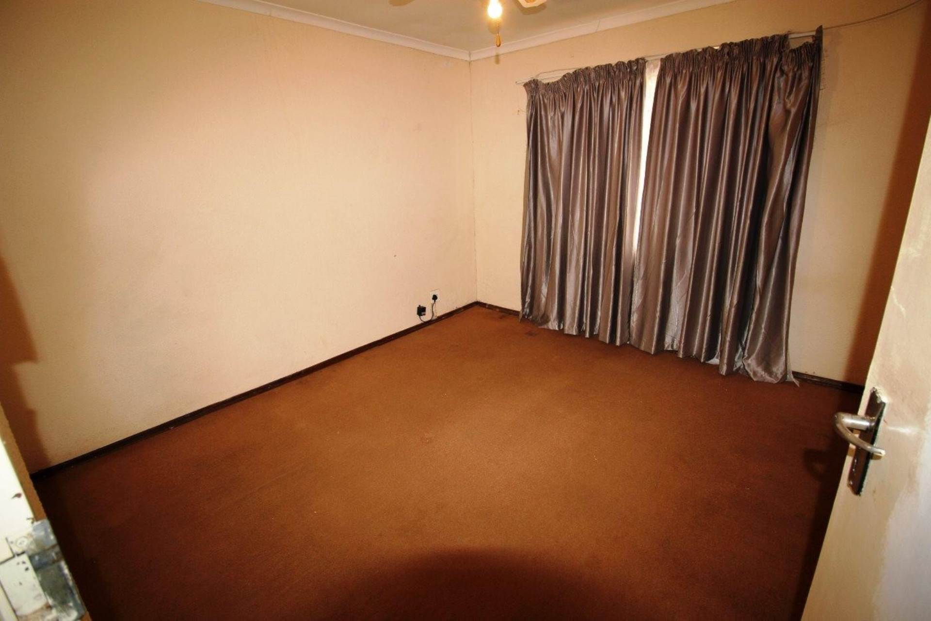 Clarina property for sale. Ref No: 13611698. Picture no 11