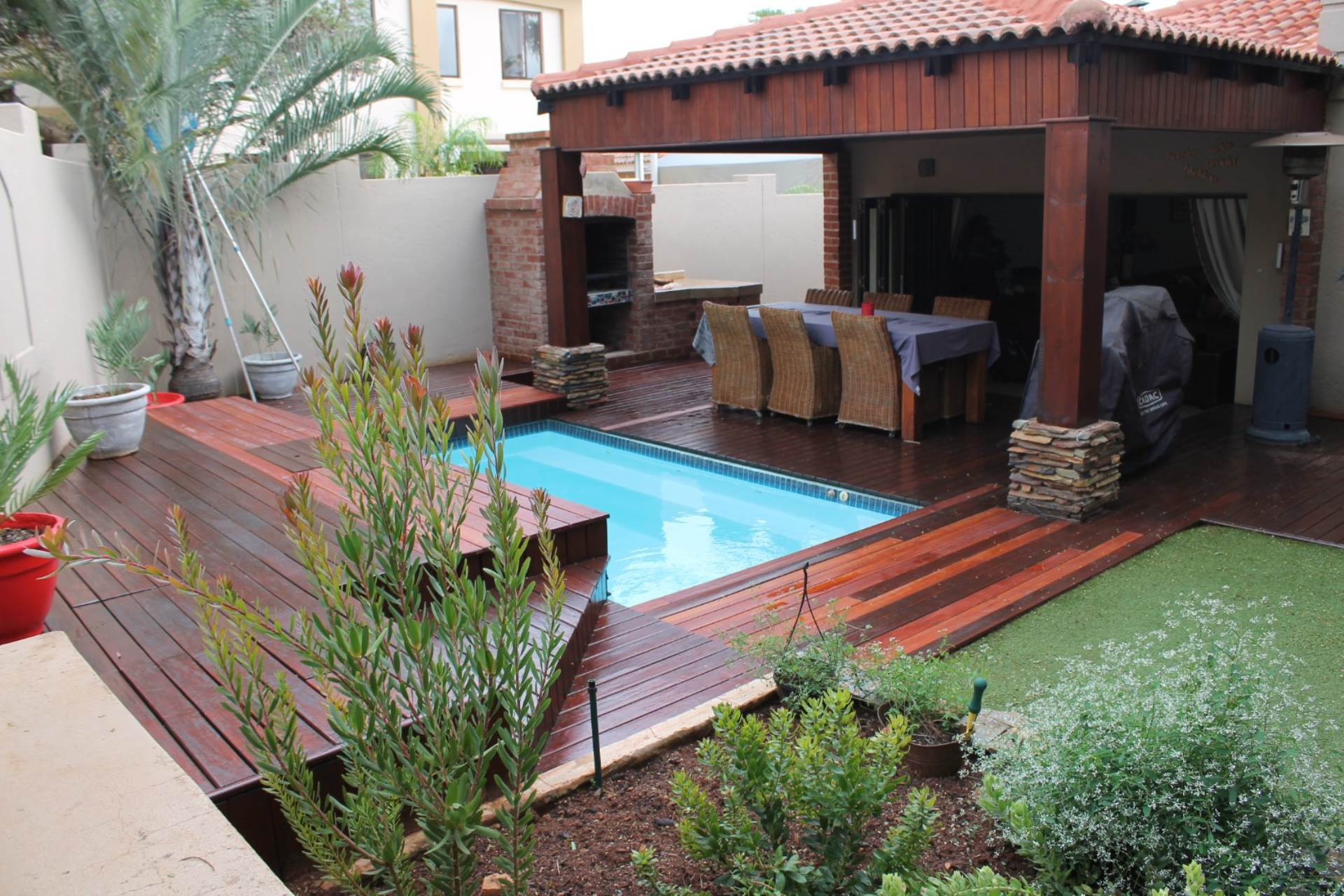 Property and Houses for sale in Ninapark, House, 4 Bedrooms - ZAR 2,048,000