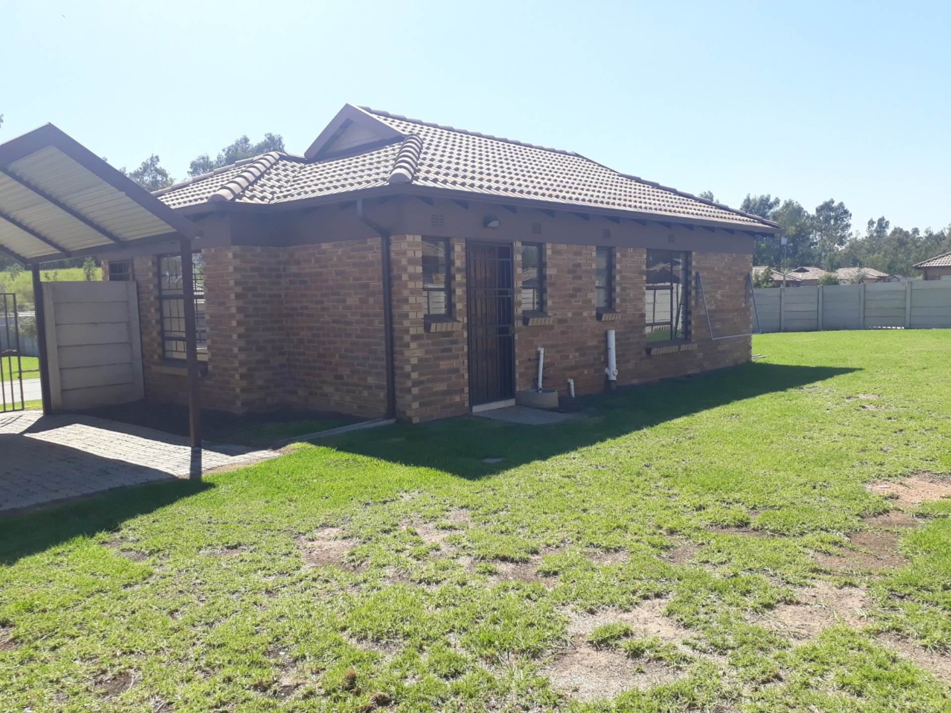 3 BedroomHouse For Sale In Clayville