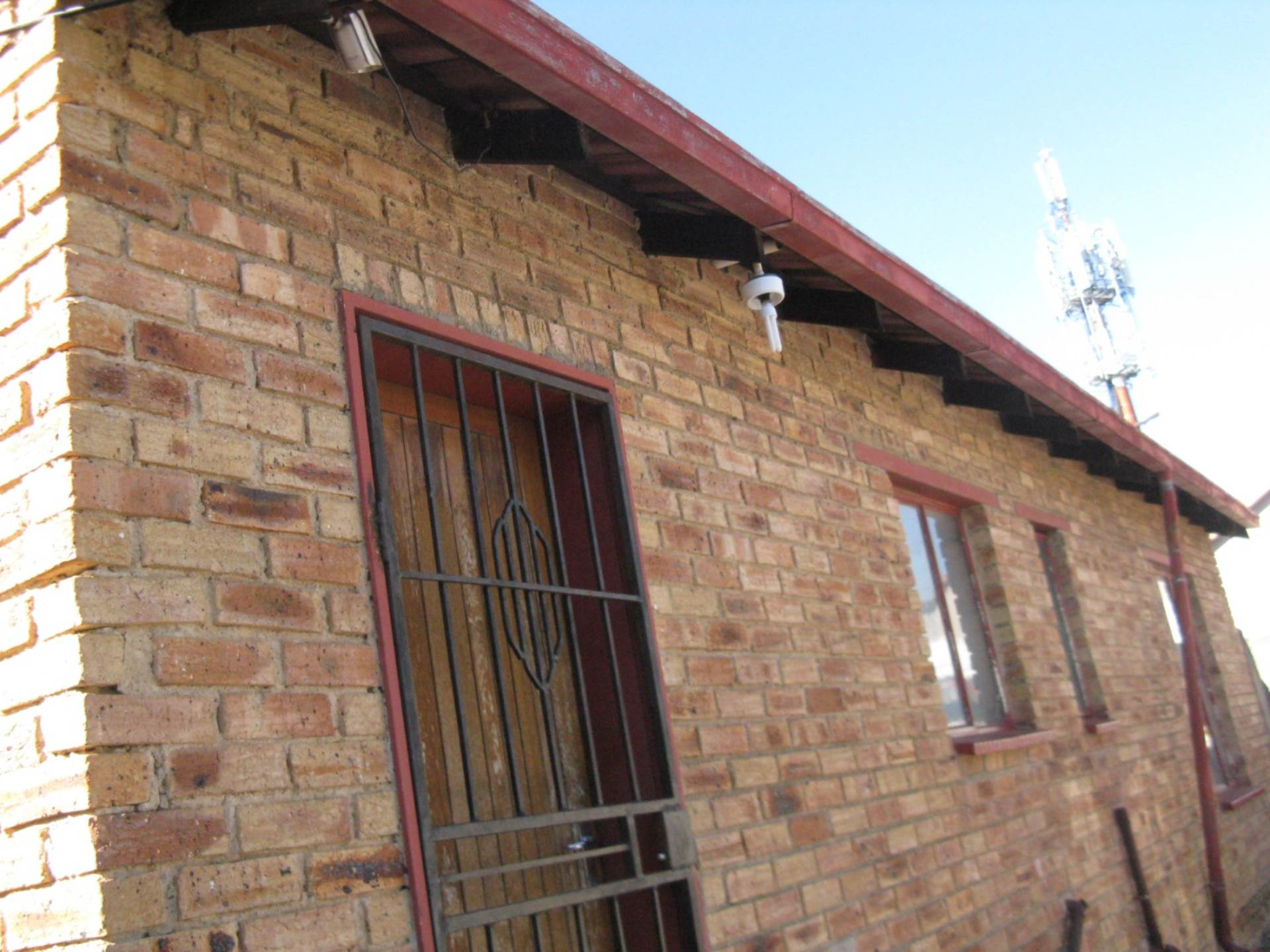 2 BedroomHouse For Sale In Ebony Park