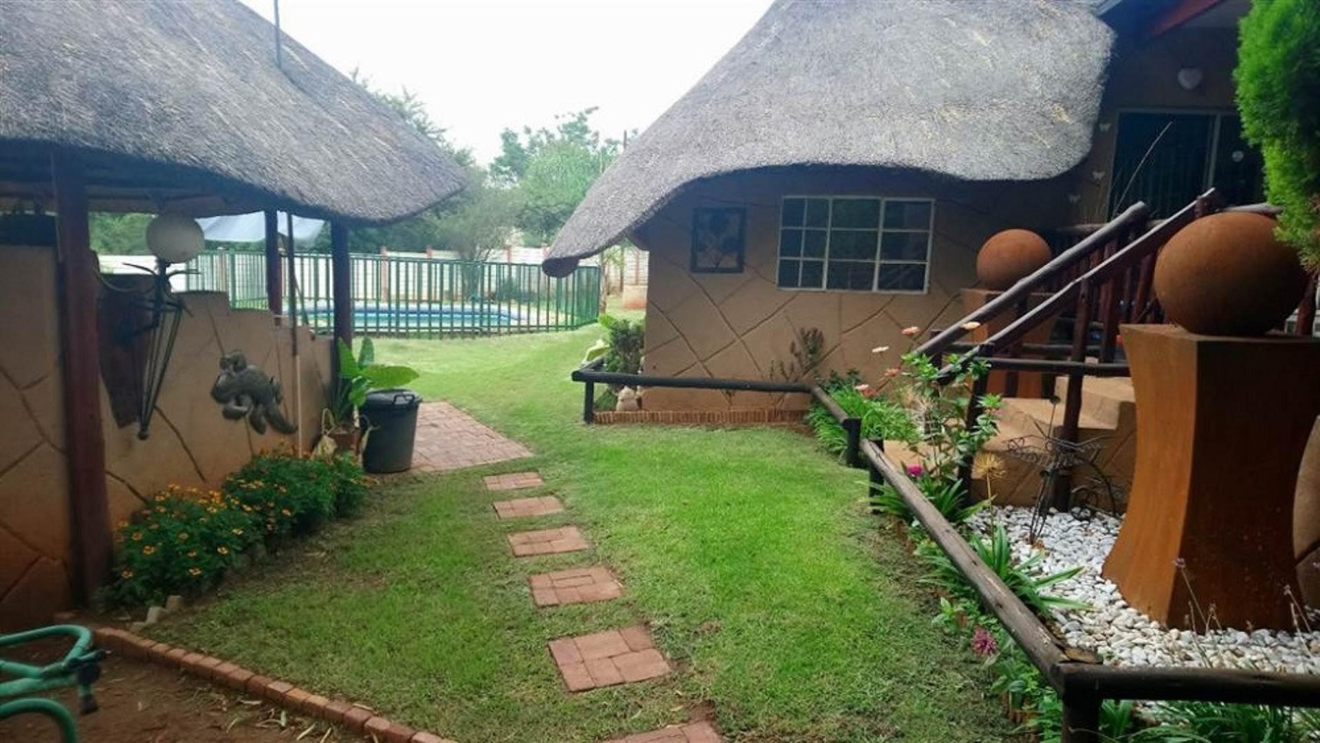 6 BedroomHouse For Sale In Olifantshoek
