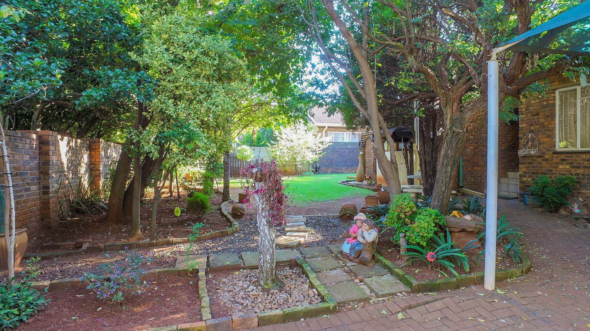 4 BedroomHouse For Sale In Dennesig