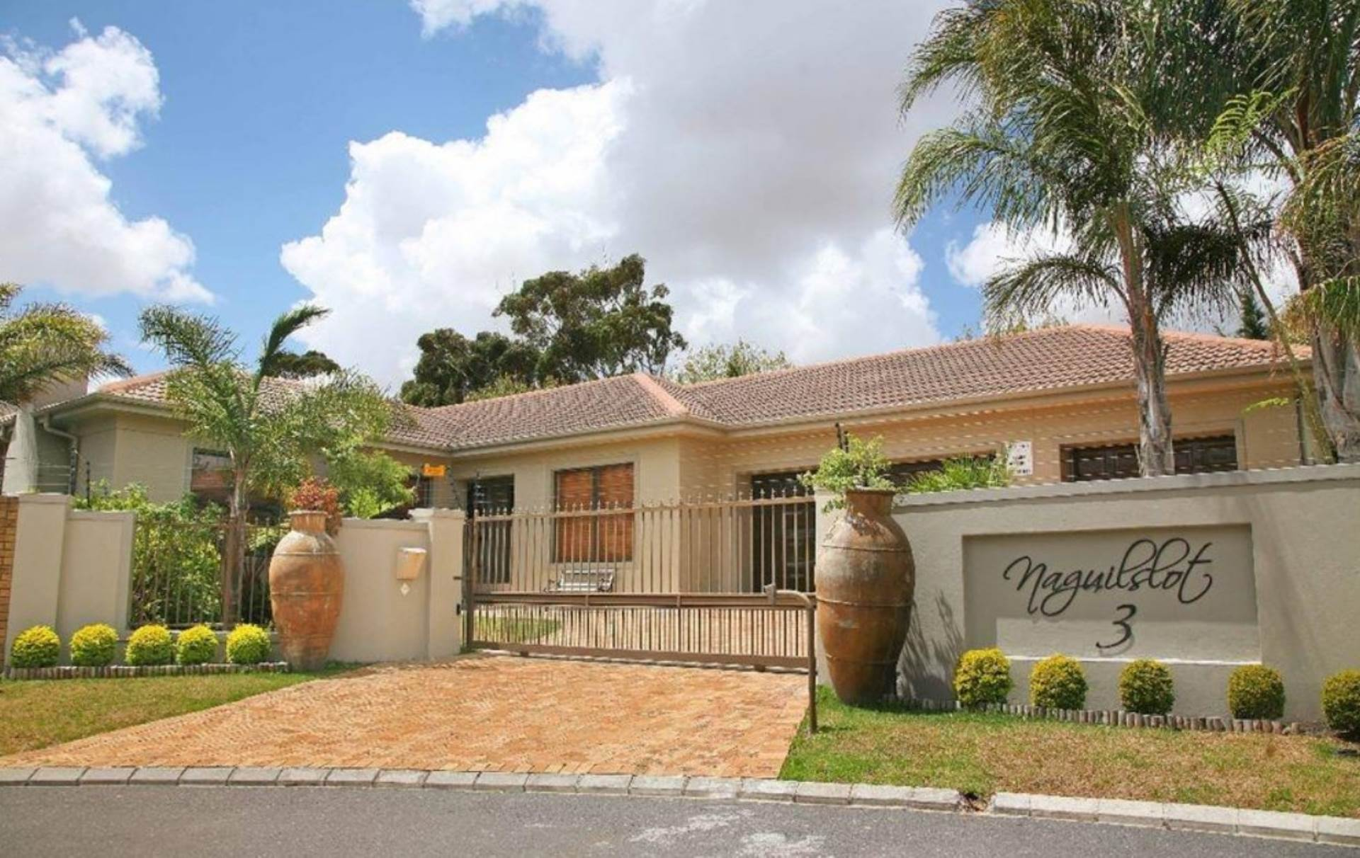 4 BedroomHouse To Rent In D'urbanvale