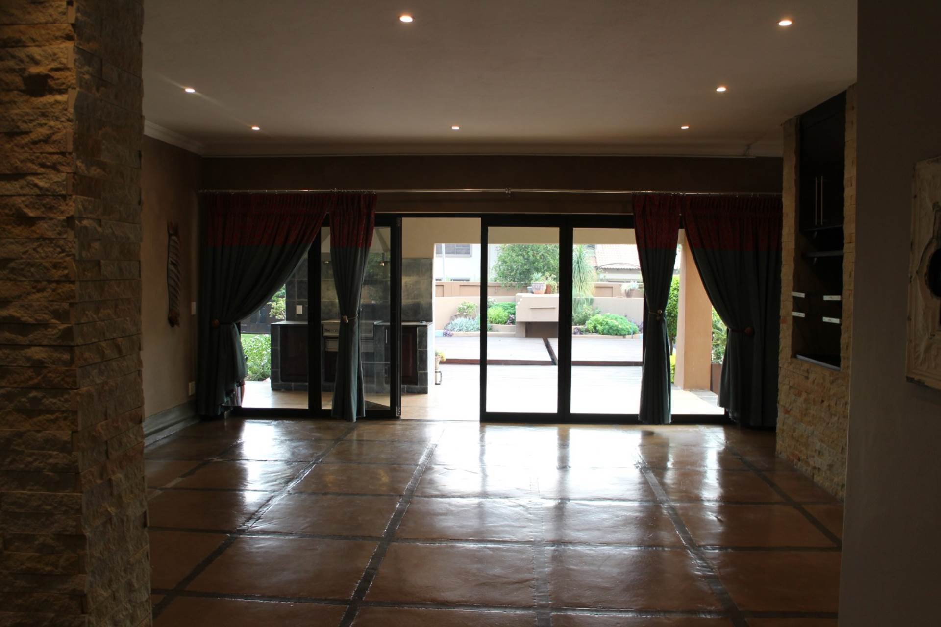 Willow Acres Estate property for sale. Ref No: 13617041. Picture no 30