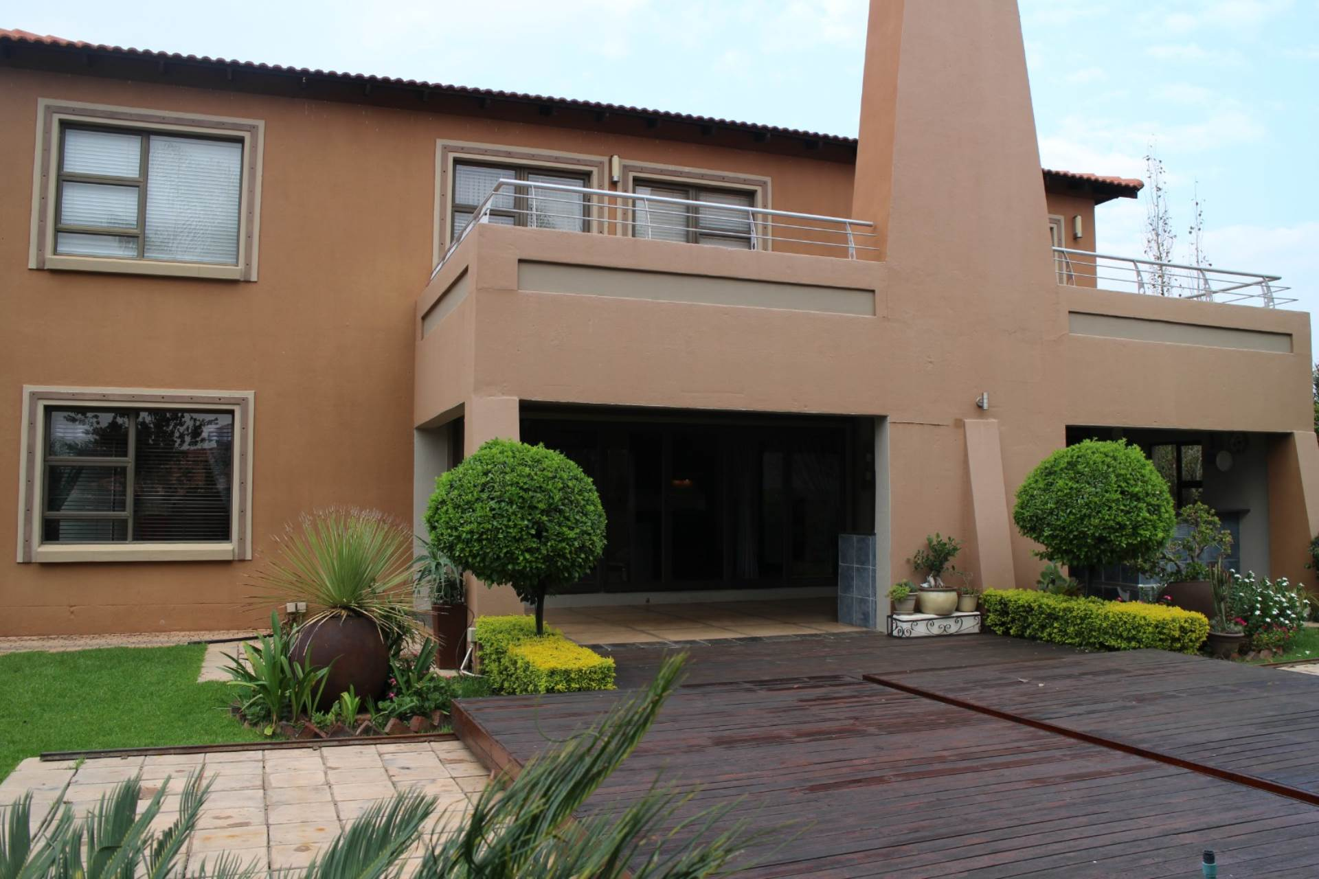 Property and Houses for sale in Willow Acres Estate, House, 6 Bedrooms - ZAR 3,495,000