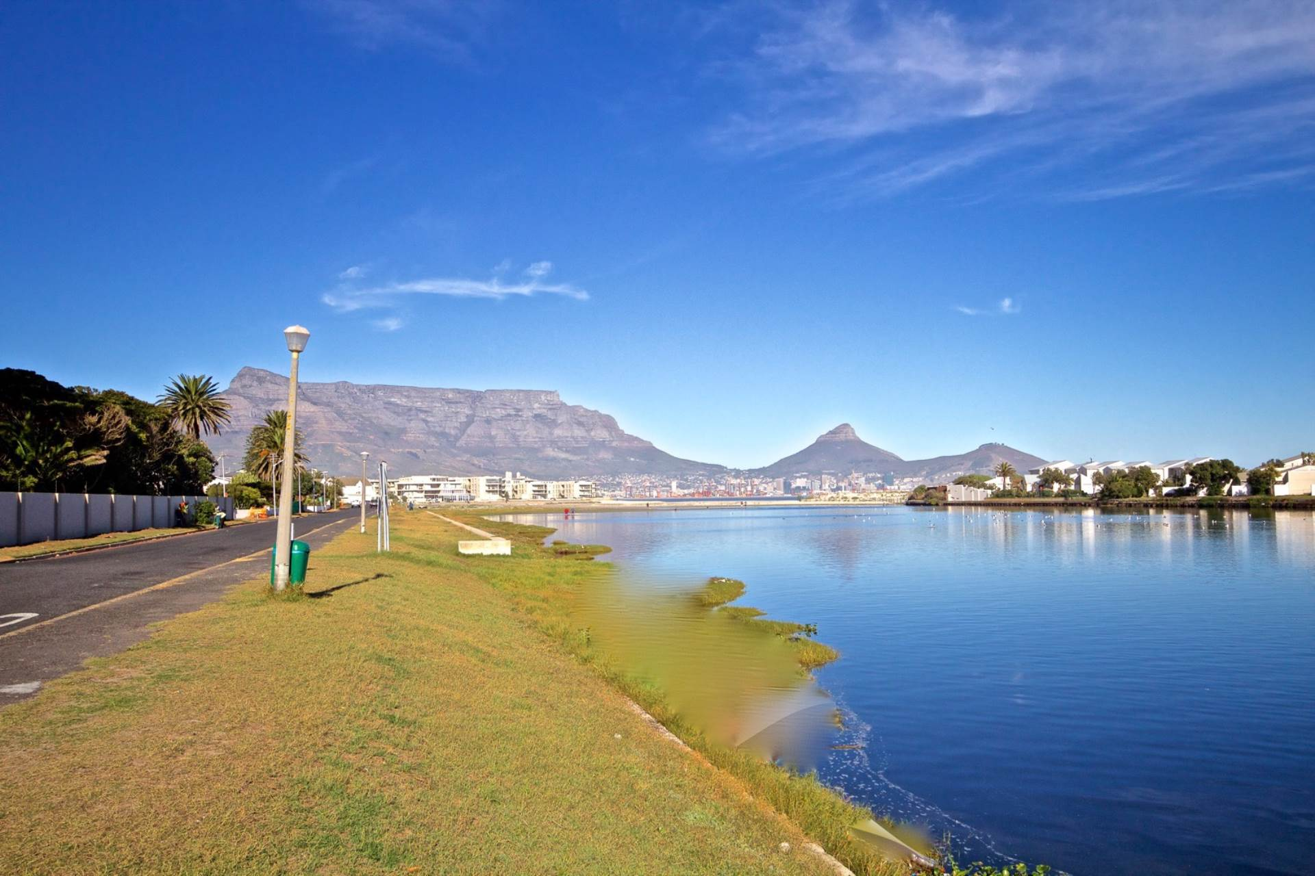 Property and Houses for sale in Milnerton, House, 5 Bedrooms - ZAR 3,999,000