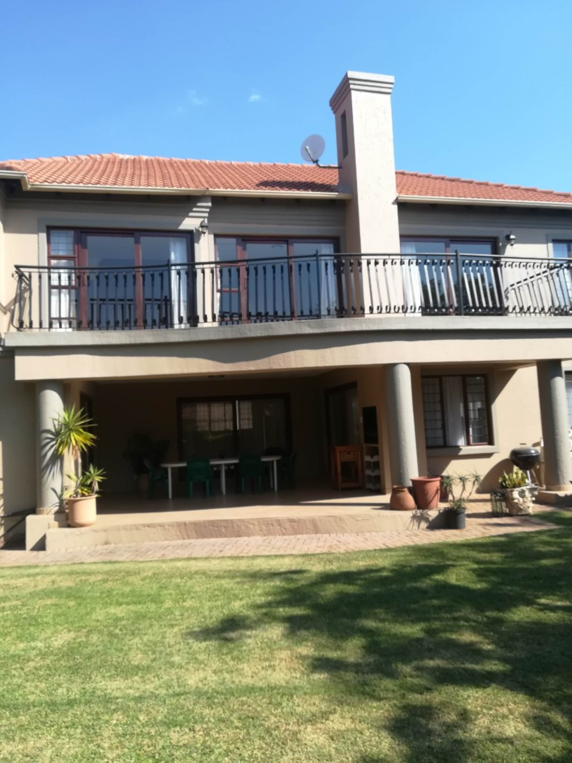 Property and Houses for sale in Menlyn, Townhouse, 4 Bedrooms - ZAR 3,200,000