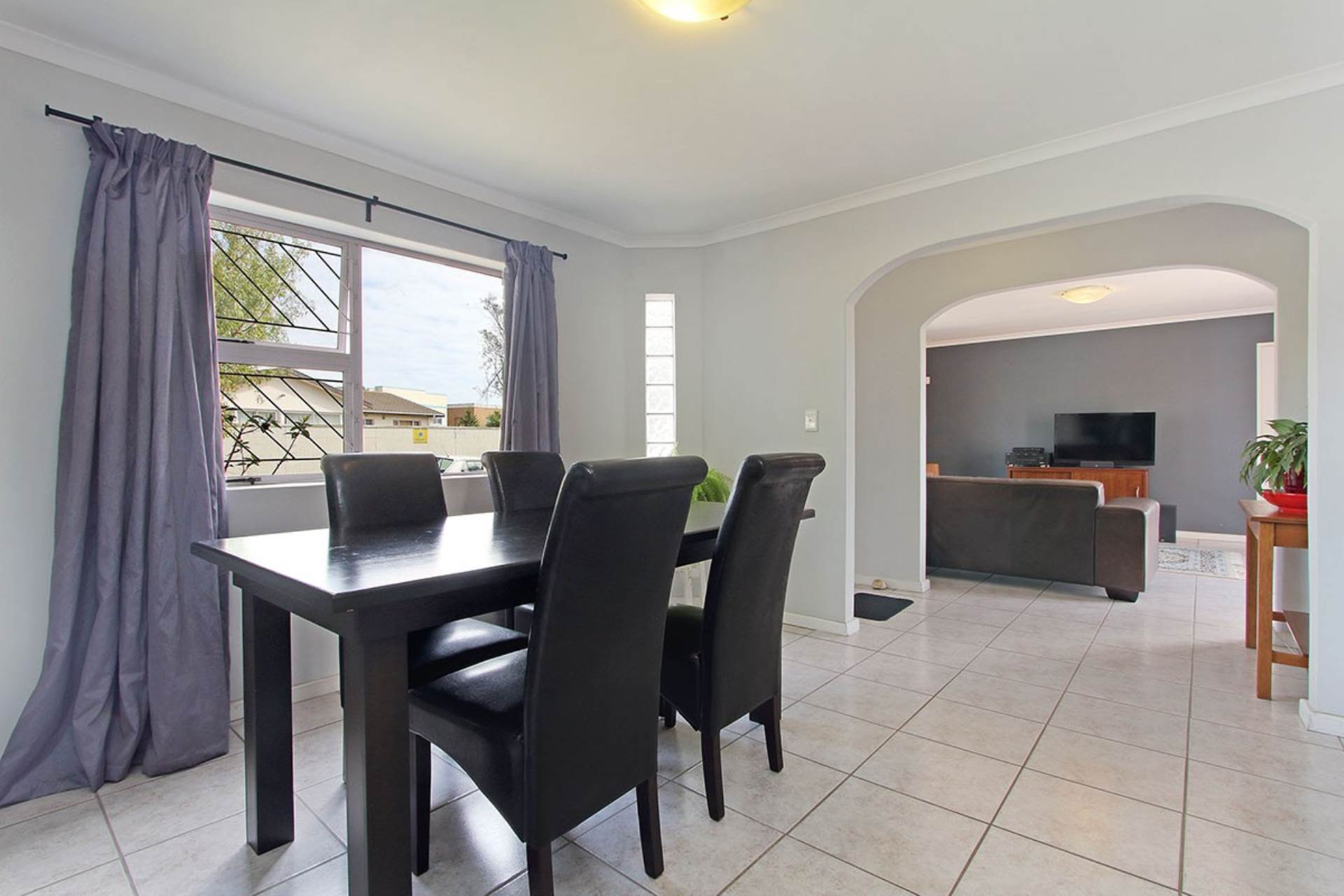Milnerton Ridge property for sale. Ref No: 13618982. Picture no 9