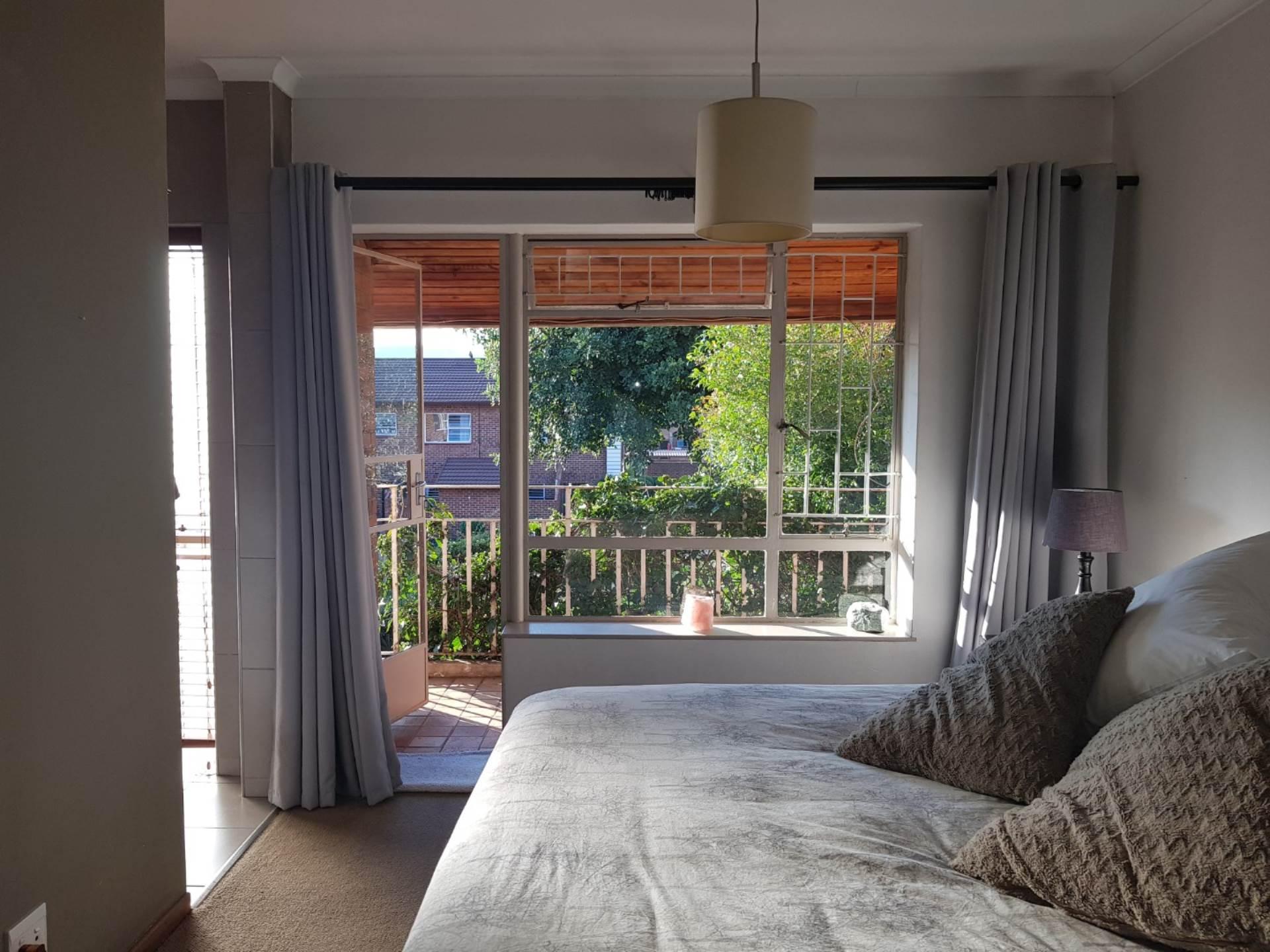 2 BedroomTownhouse To Rent In Bedford Gardens