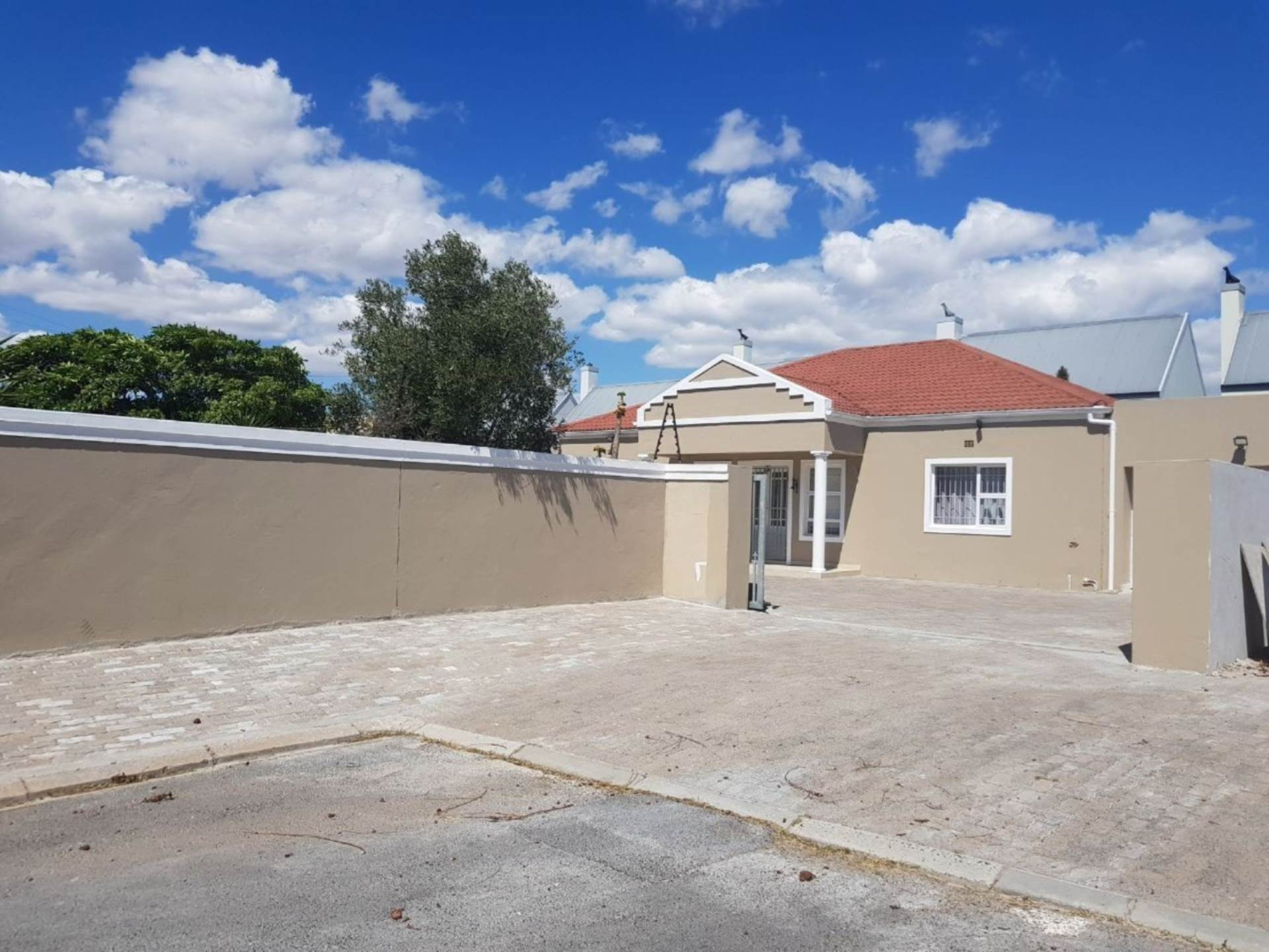 Milnerton Ridge property for sale. Ref No: 13622442. Picture no 1