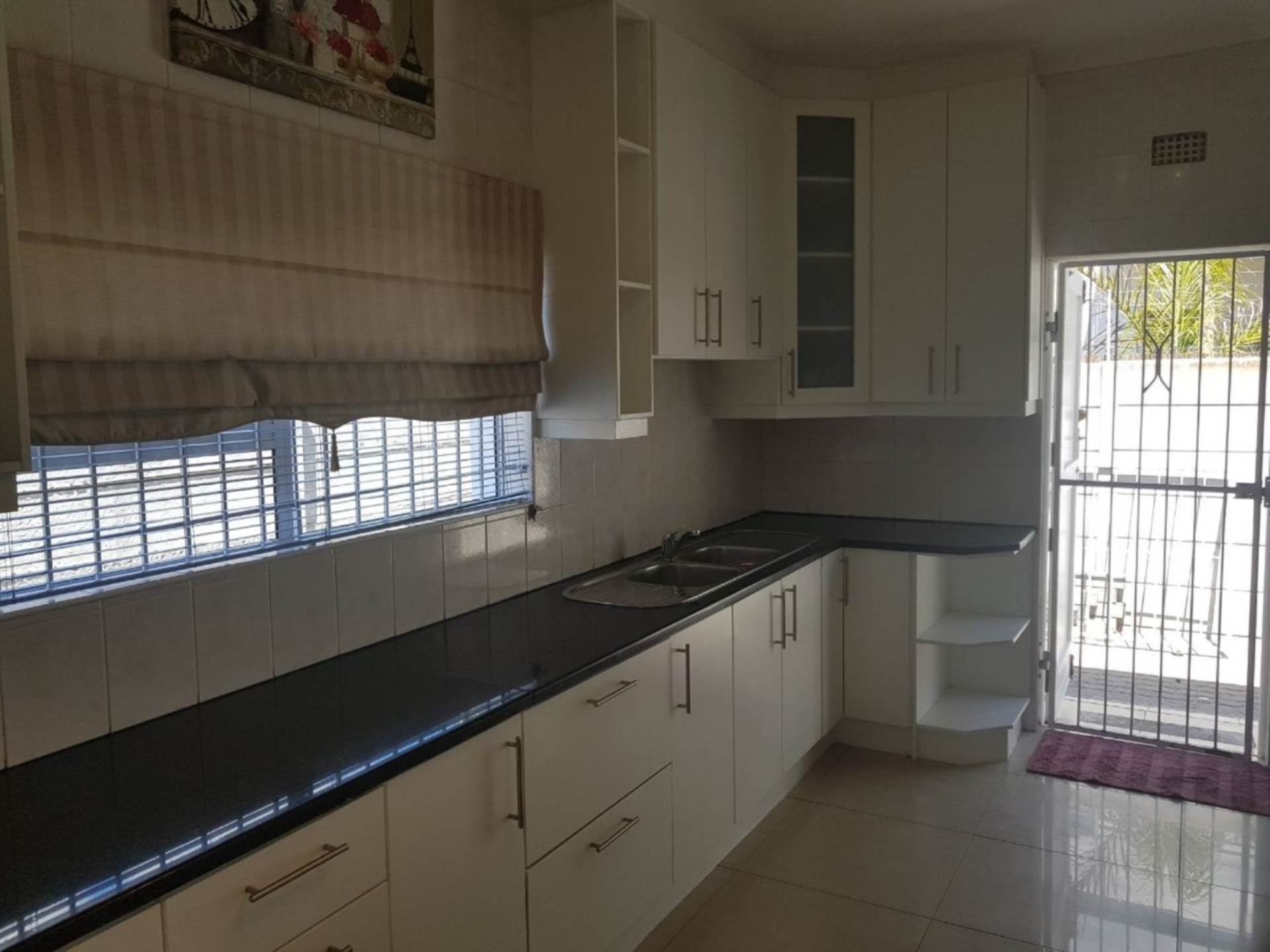 Milnerton Ridge property for sale. Ref No: 13622442. Picture no 6