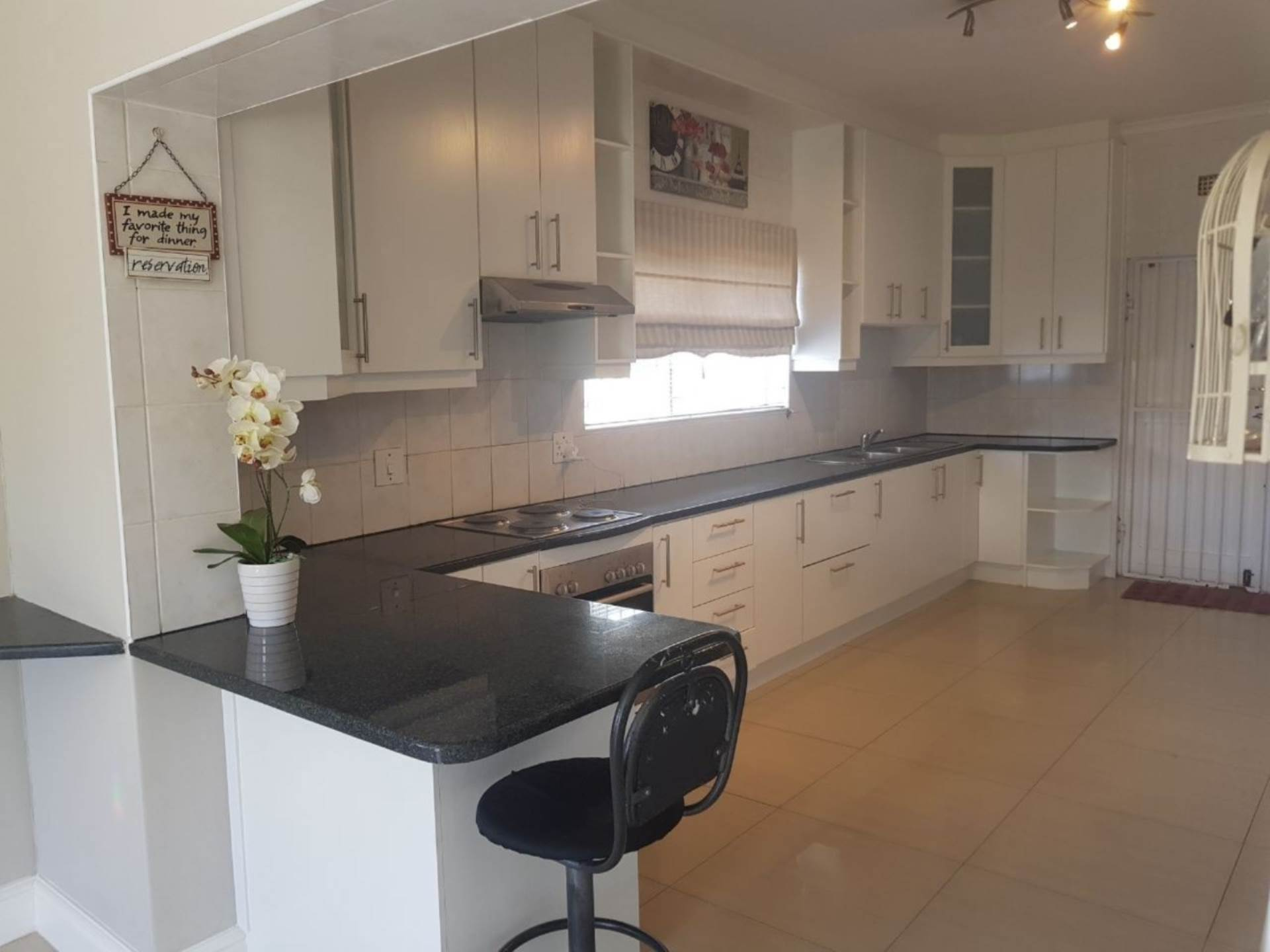 Milnerton Ridge property for sale. Ref No: 13622442. Picture no 7