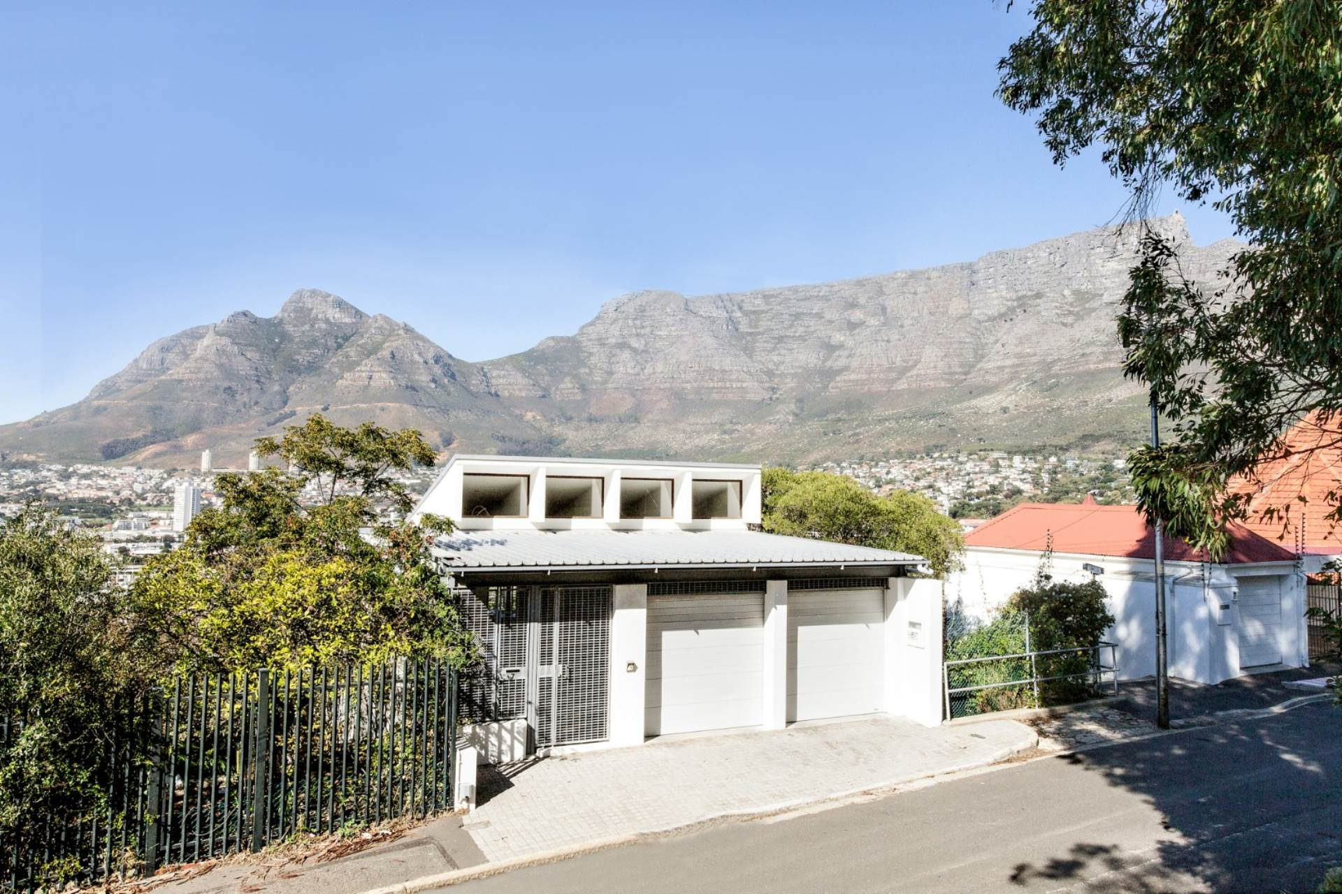 3 BedroomHouse For Sale In Tamboerskloof