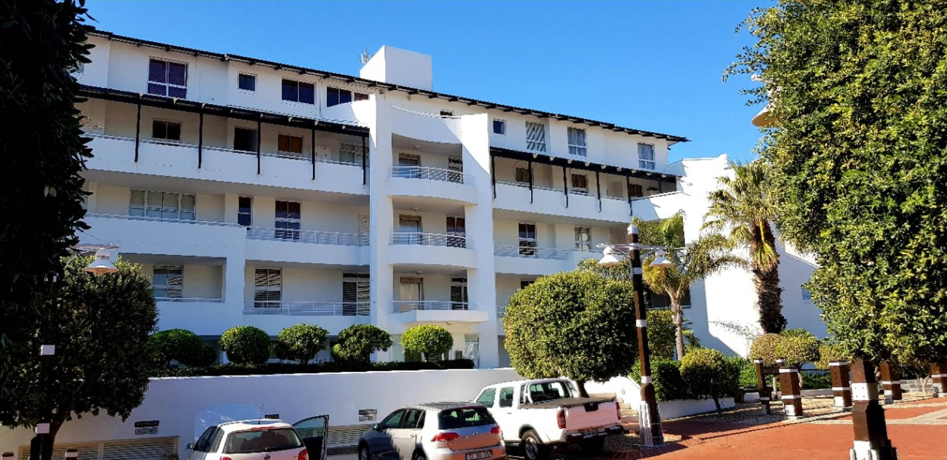 Mouille Point property to rent. Ref No: 13623752. Picture no 34