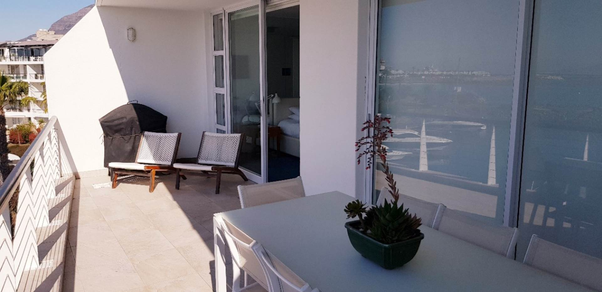 Mouille Point property to rent. Ref No: 13623752. Picture no 17