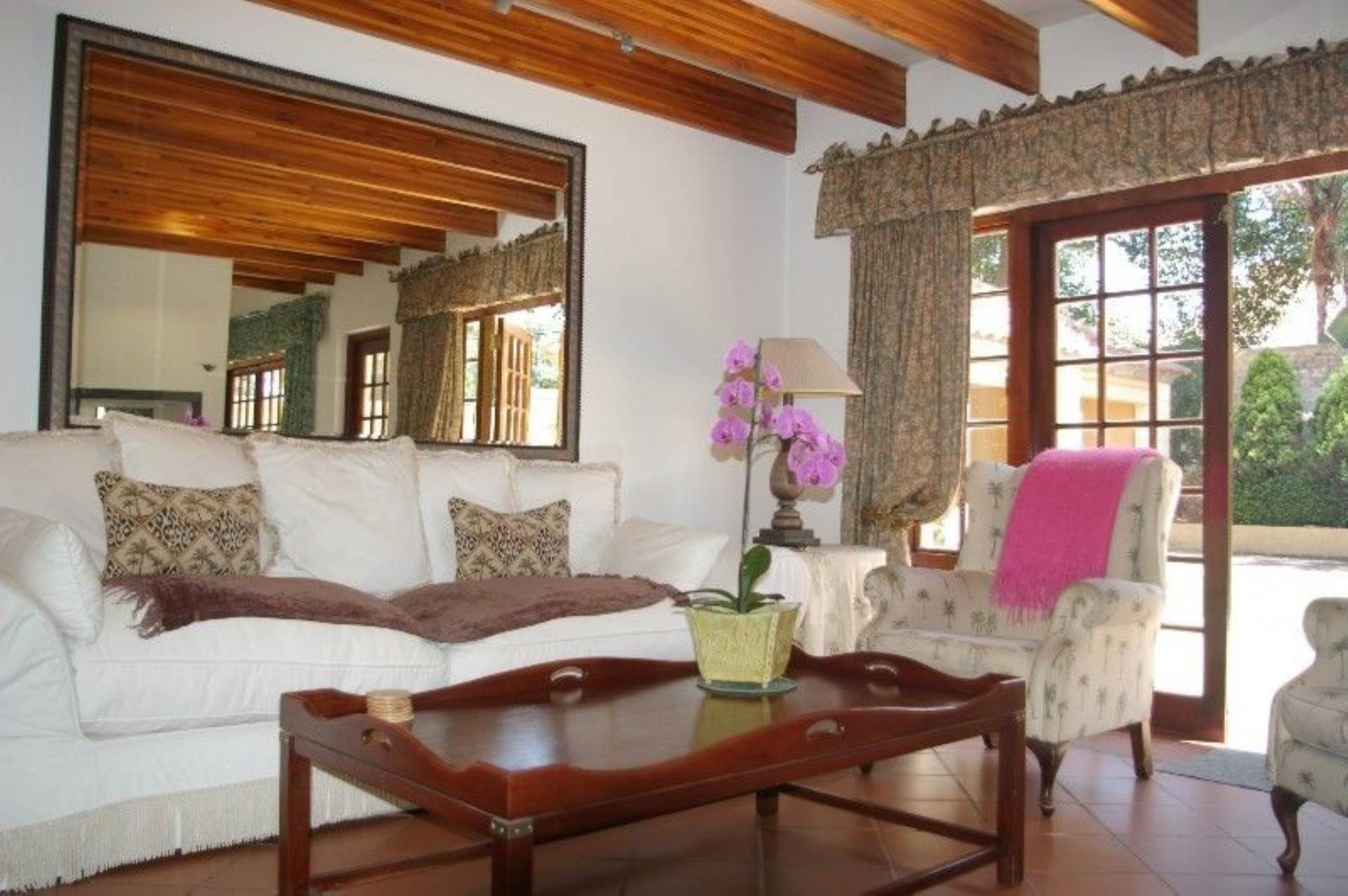 1 BedroomTownhouse To Rent In Houghton