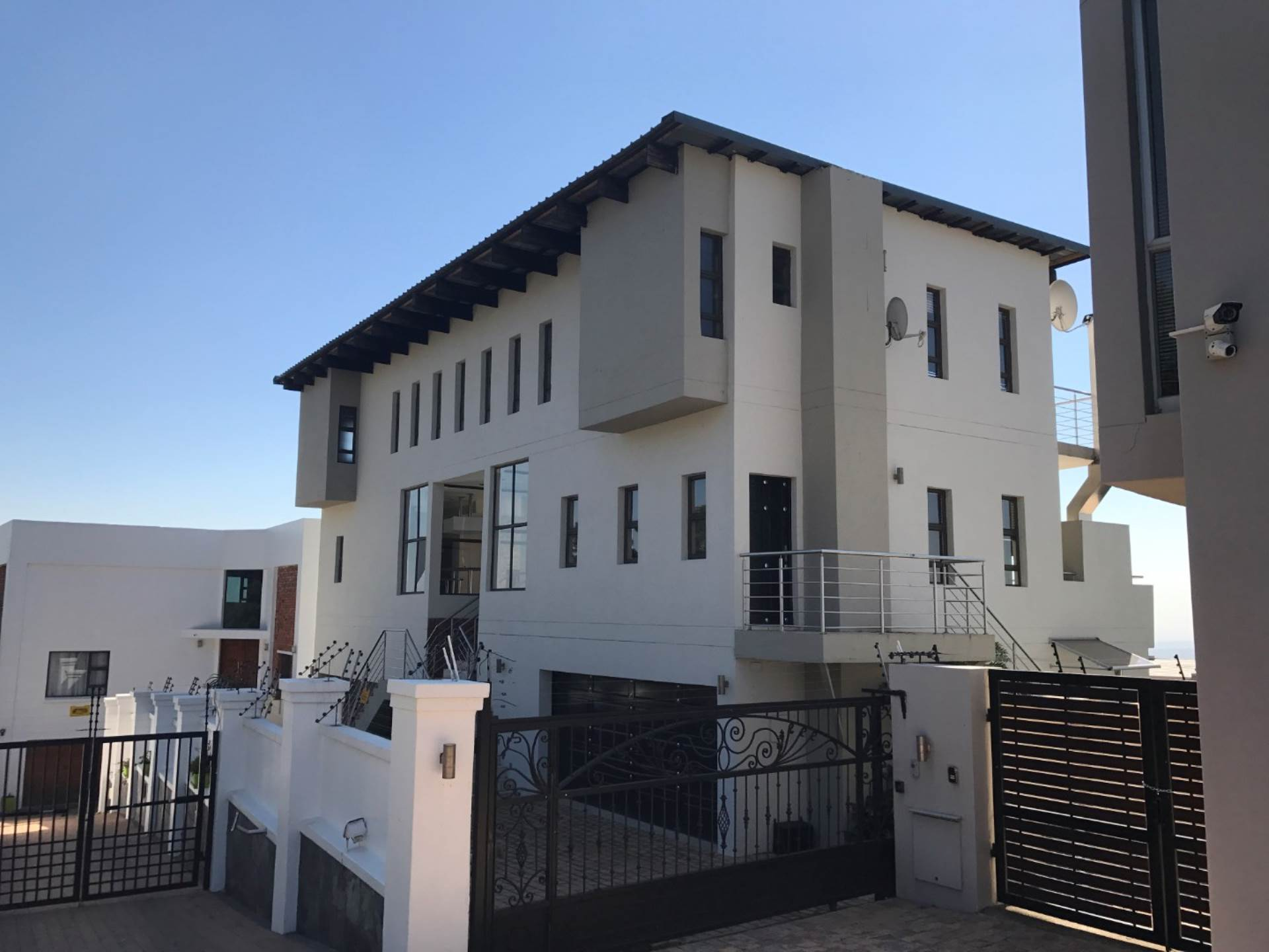 5 BedroomHouse For Sale In Northcliff