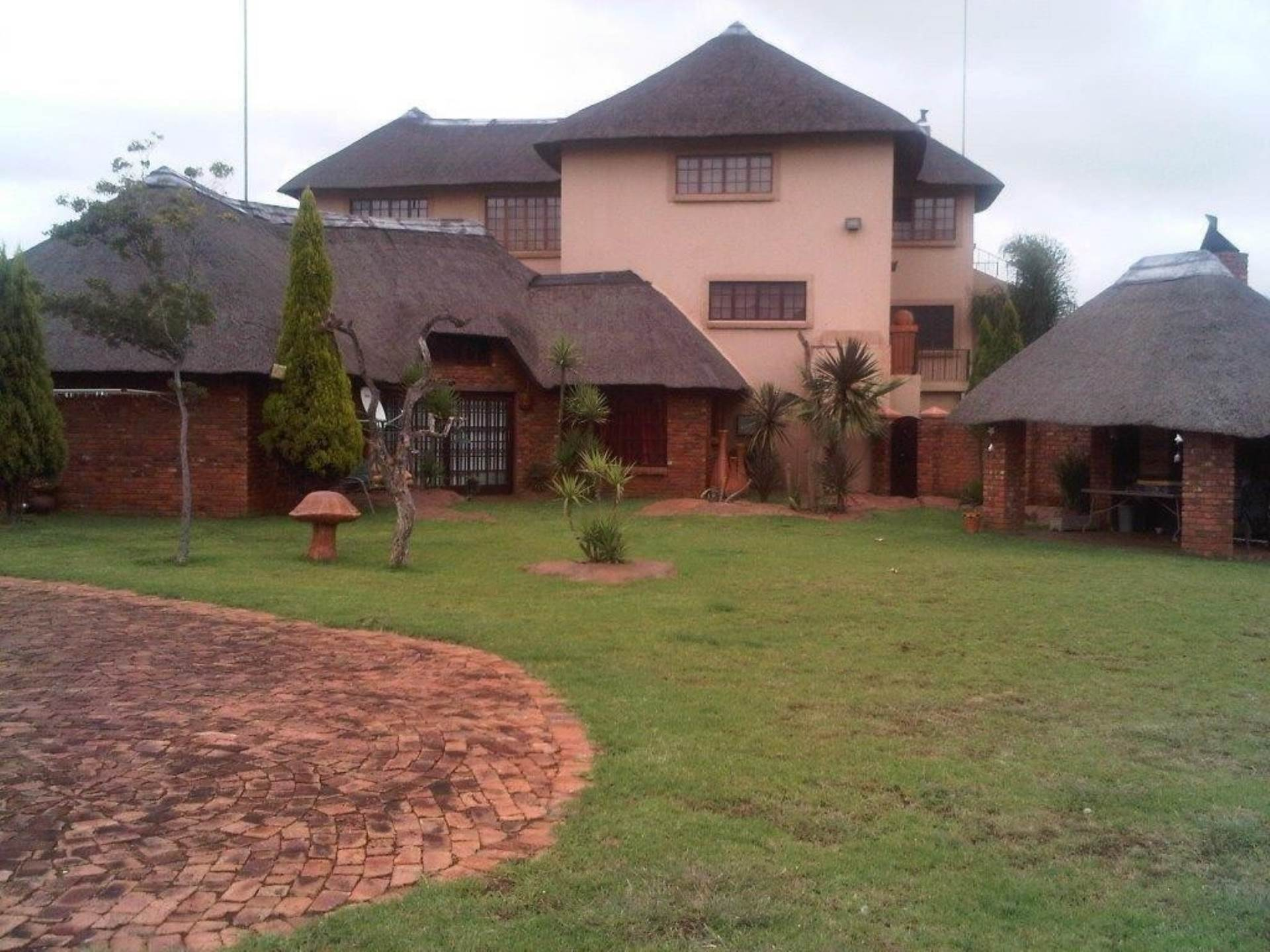 11 BedroomHouse For Sale In Hartbeespoort