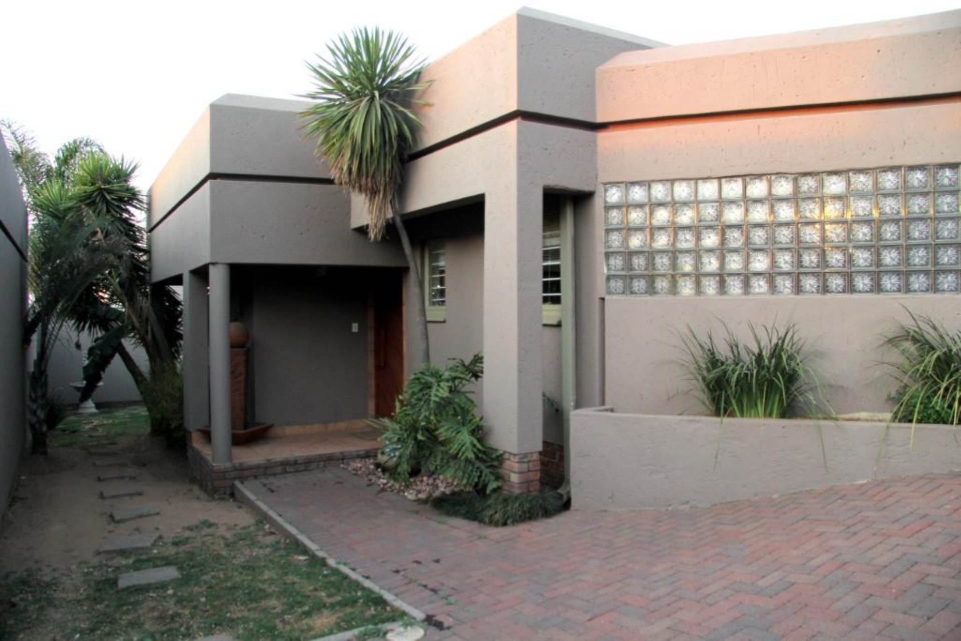 4 BedroomHouse To Rent In Reyno Ridge