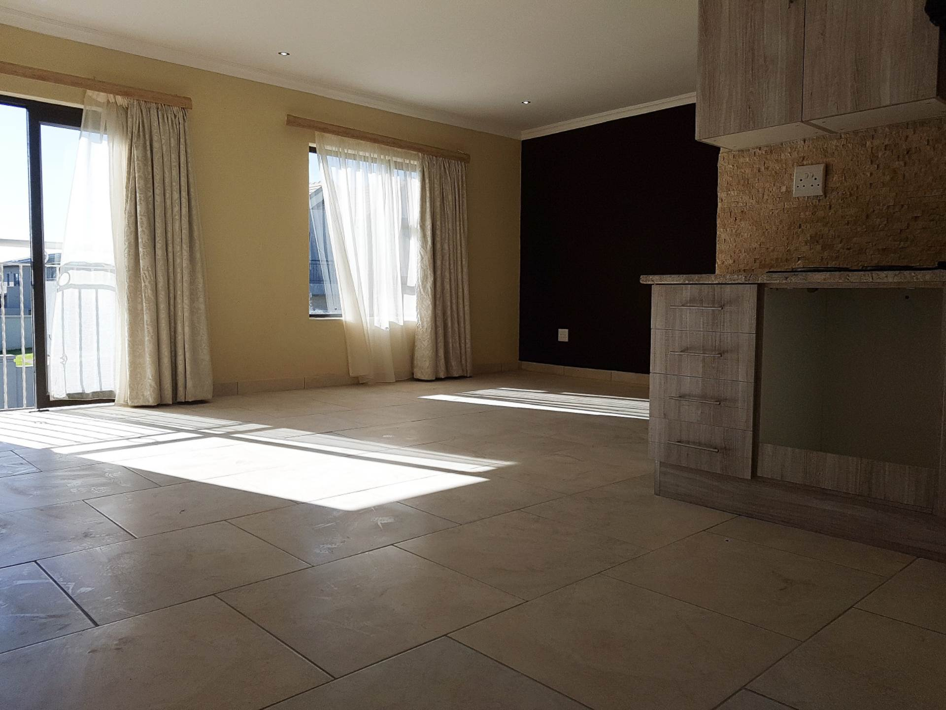 1 BedroomFlat To Rent In Waterstone Park