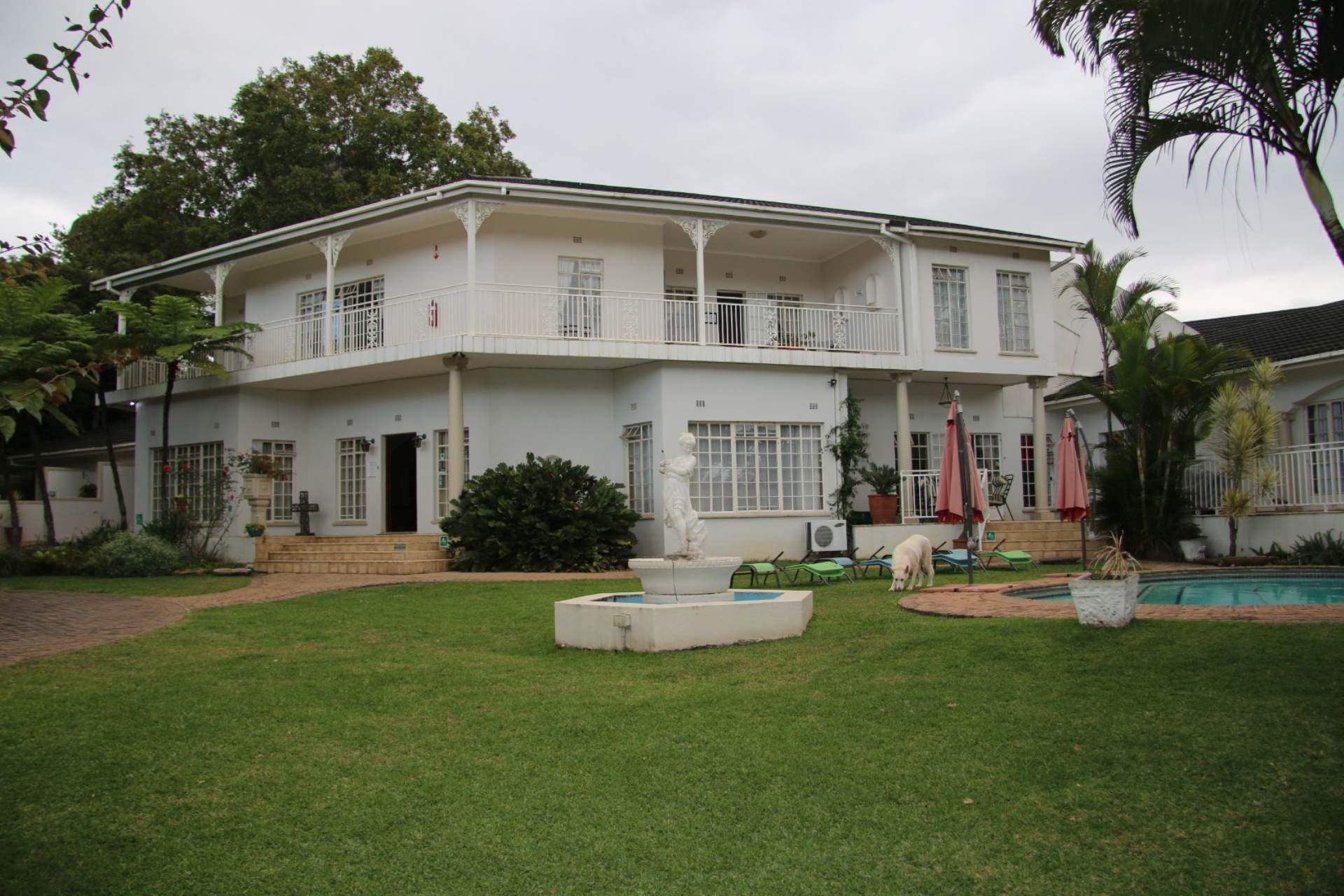 14 BedroomHouse For Sale In White River & Ext