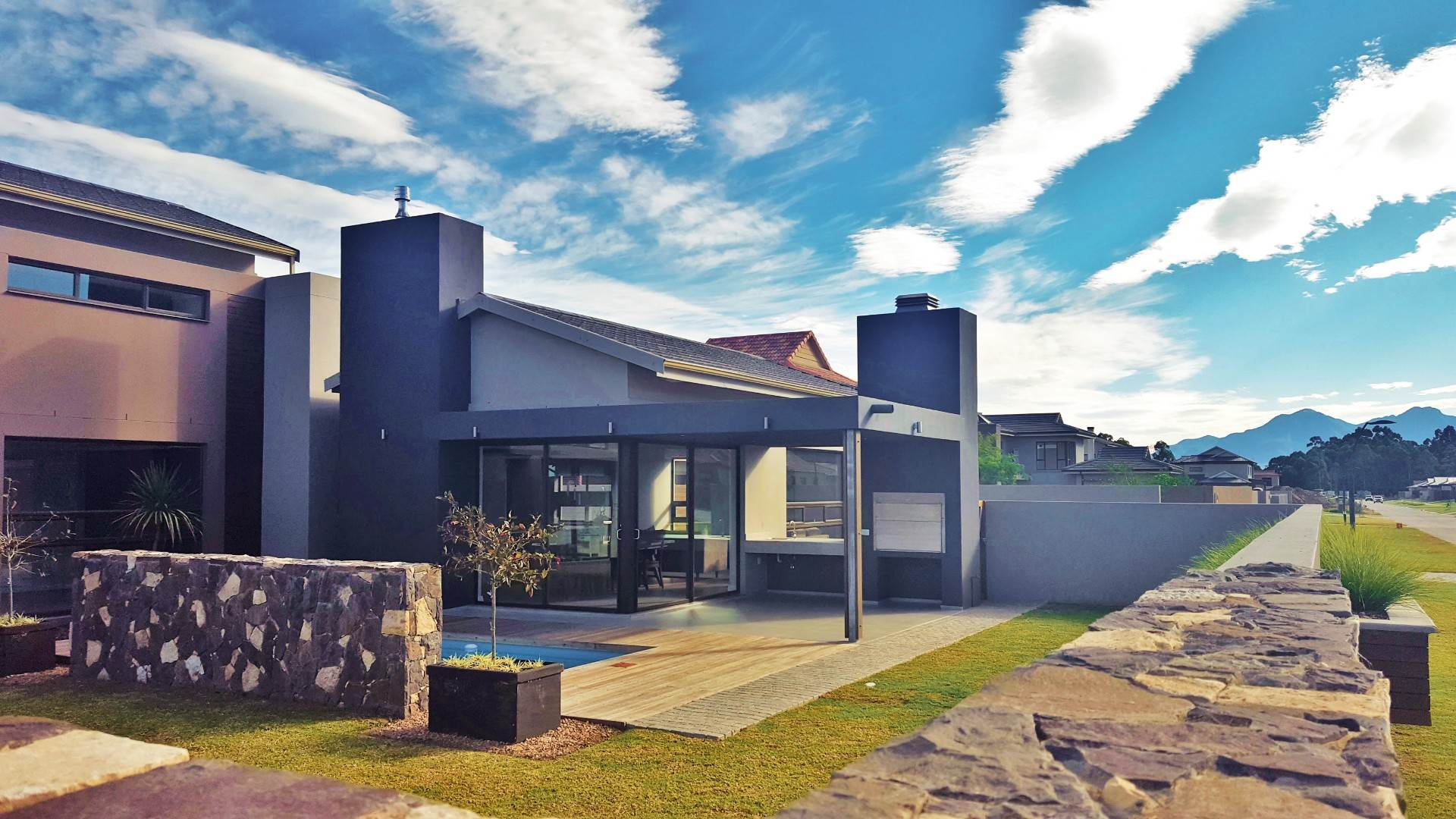 3 BedroomHouse For Sale In Heather Park